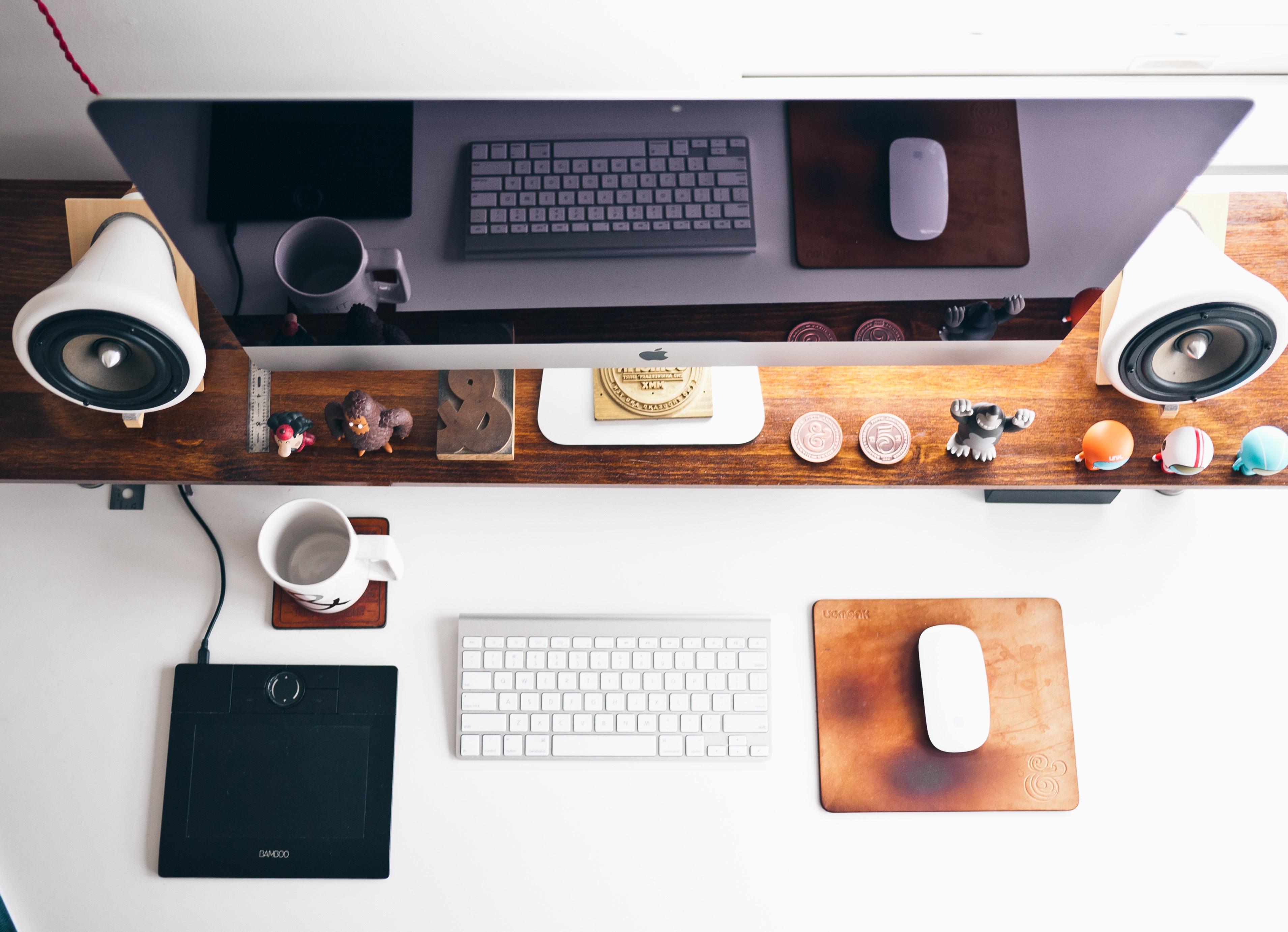 Kostenlose foto : Schreibtisch, Apfel, Tastatur, Technologie ...