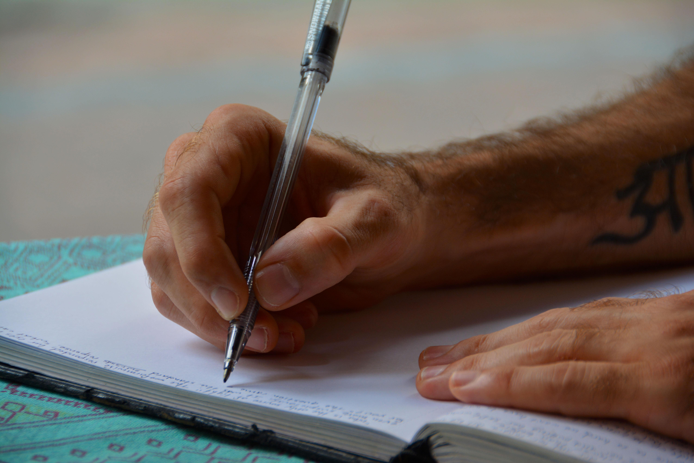 картинки человек пишет ручкой только сесть самолет