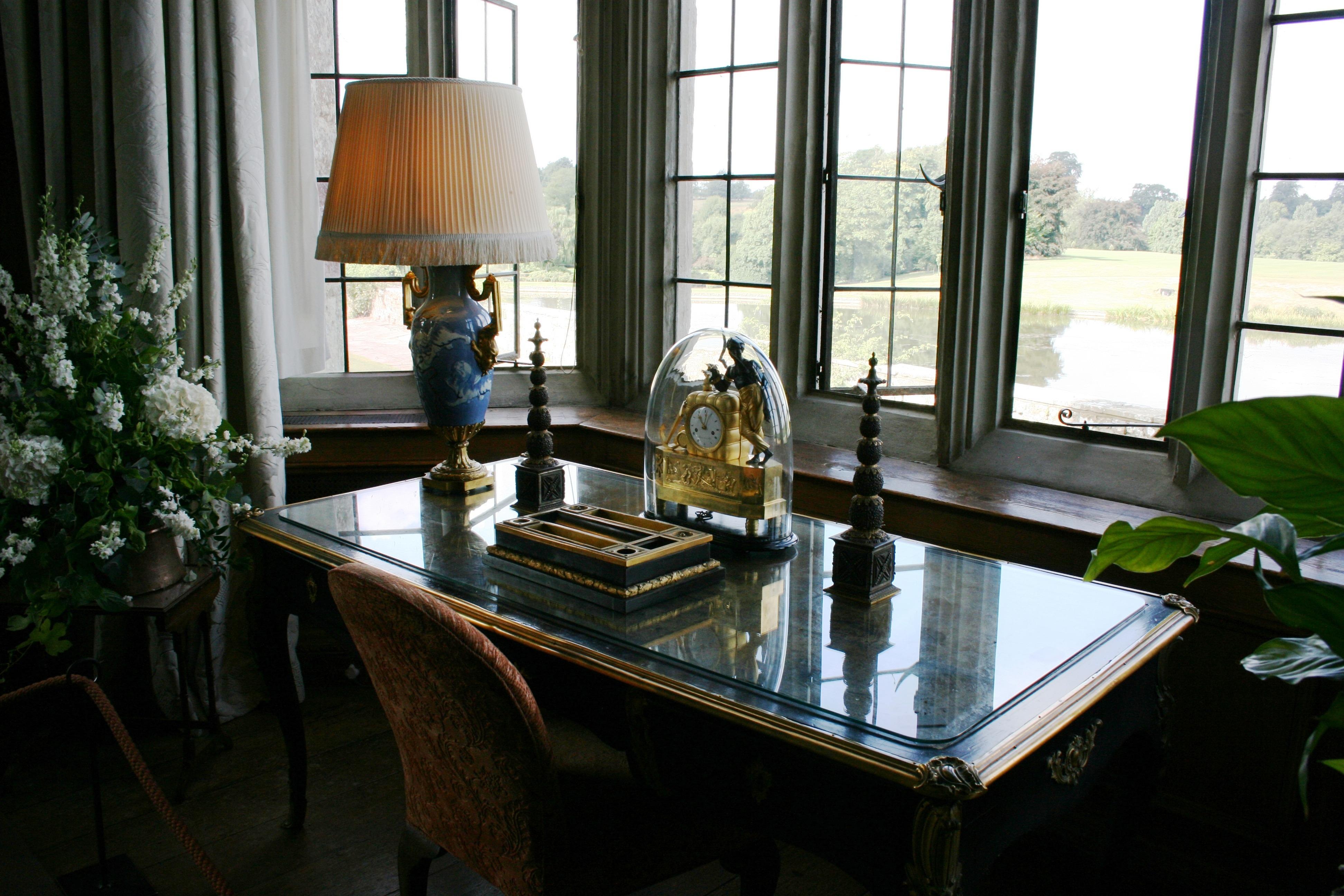 Fotos gratis escritorio mesa villa palacio casa for Estudiar diseno de interiores online gratis