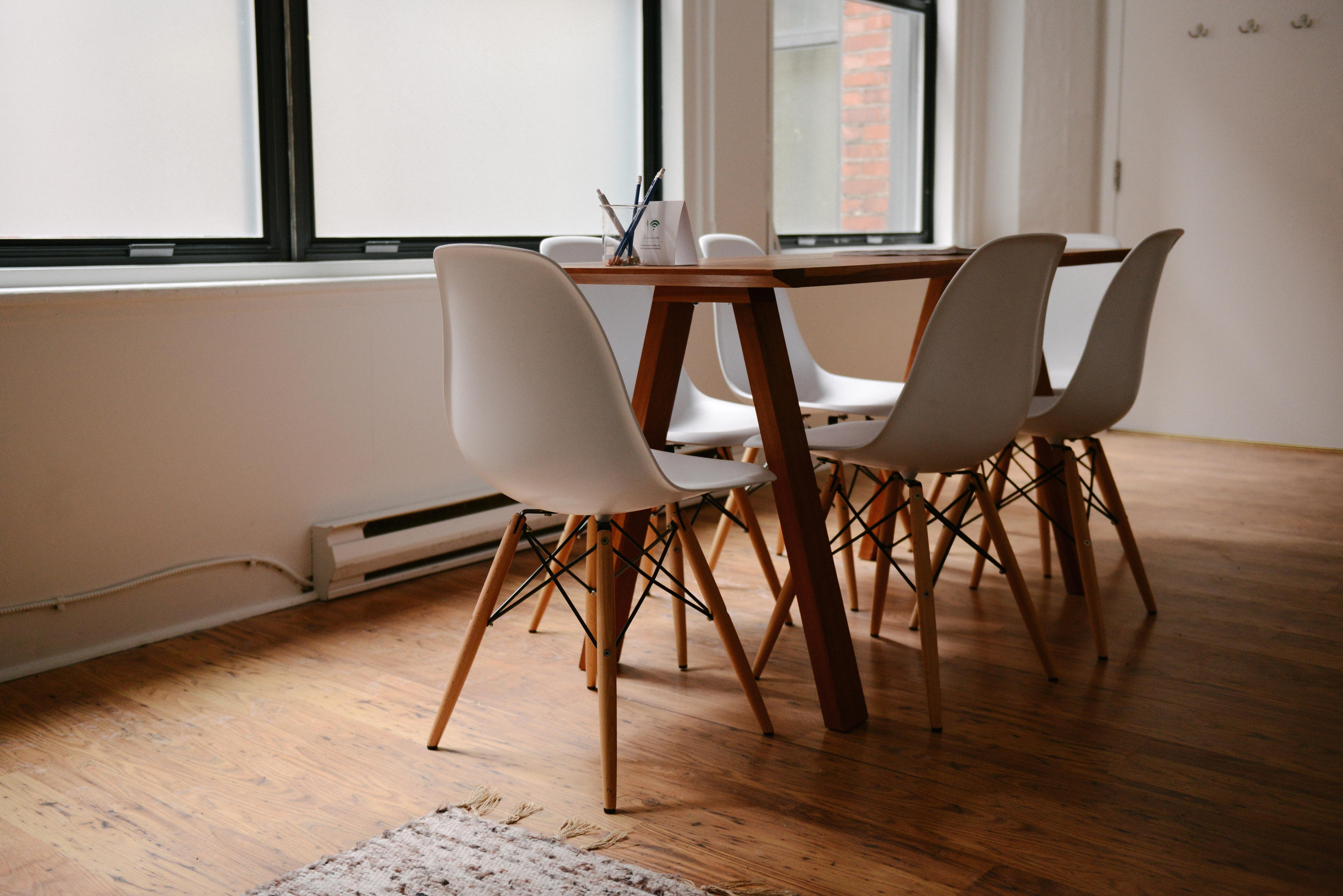 Desk Table Wood Chair Floor Home Property Living Room Furniture Work Space Office Meeting