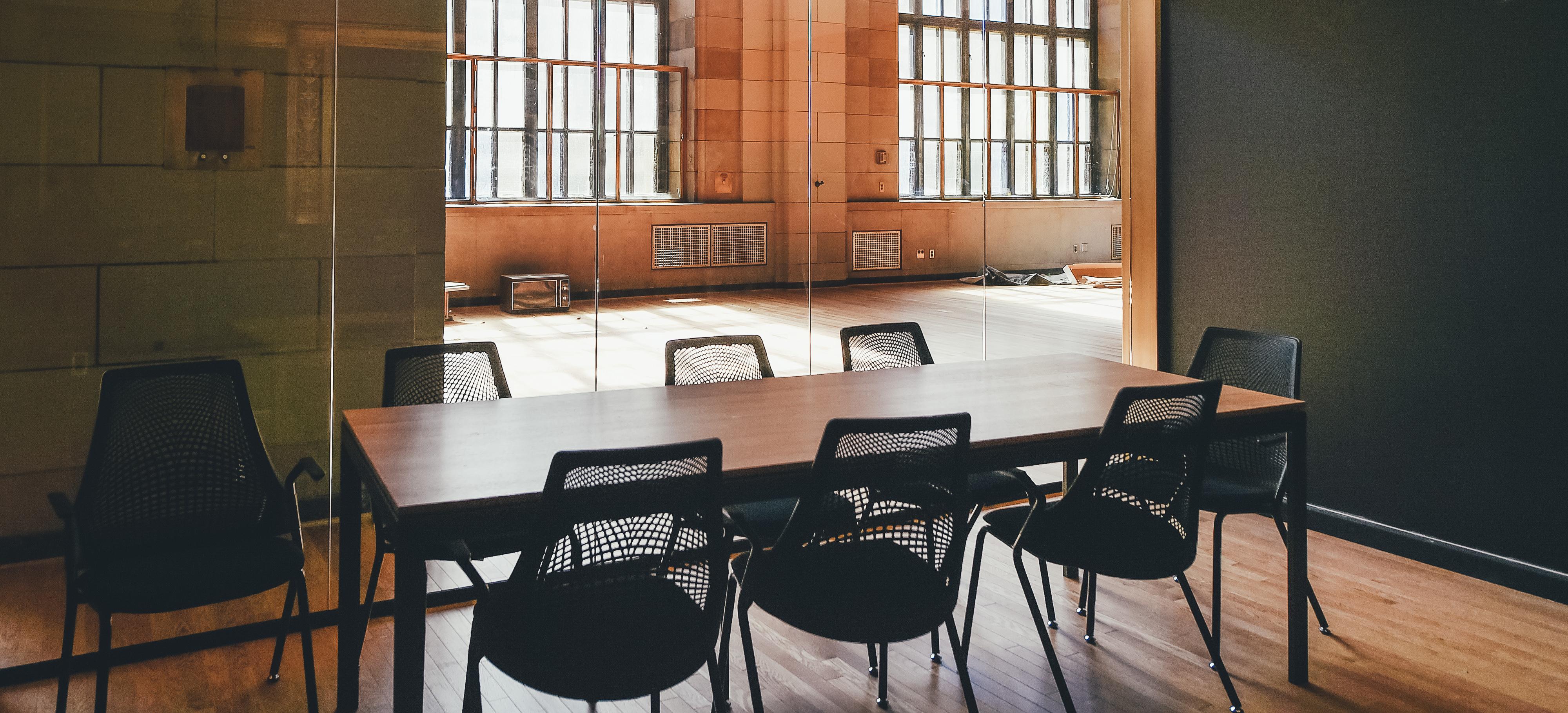 Kostenlose foto : Schreibtisch, Tabelle, Holz, Haus, Sessel, Stock ...