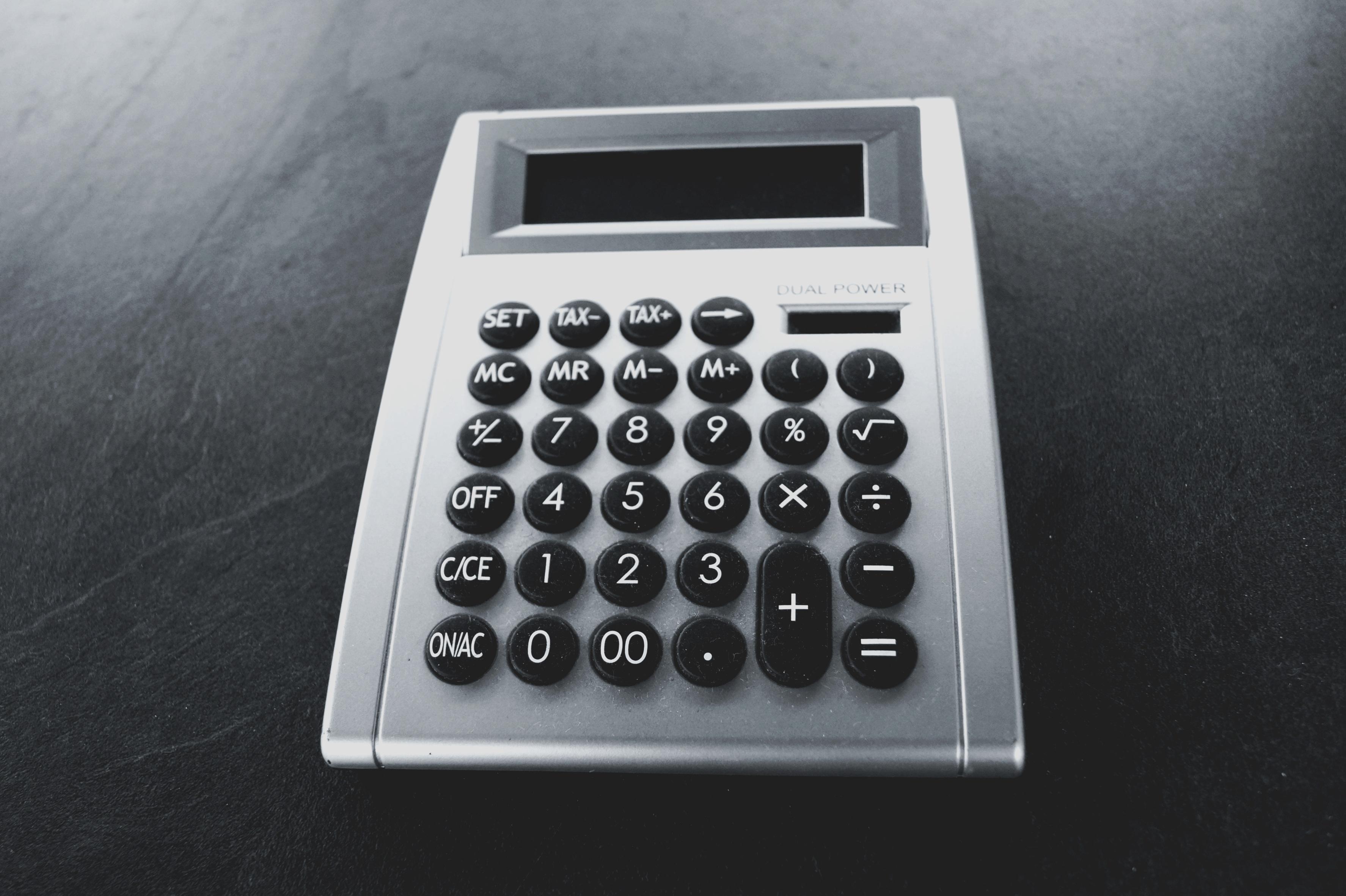 Fotos gratis : dispositivo, números, matemáticas, más, economía ...
