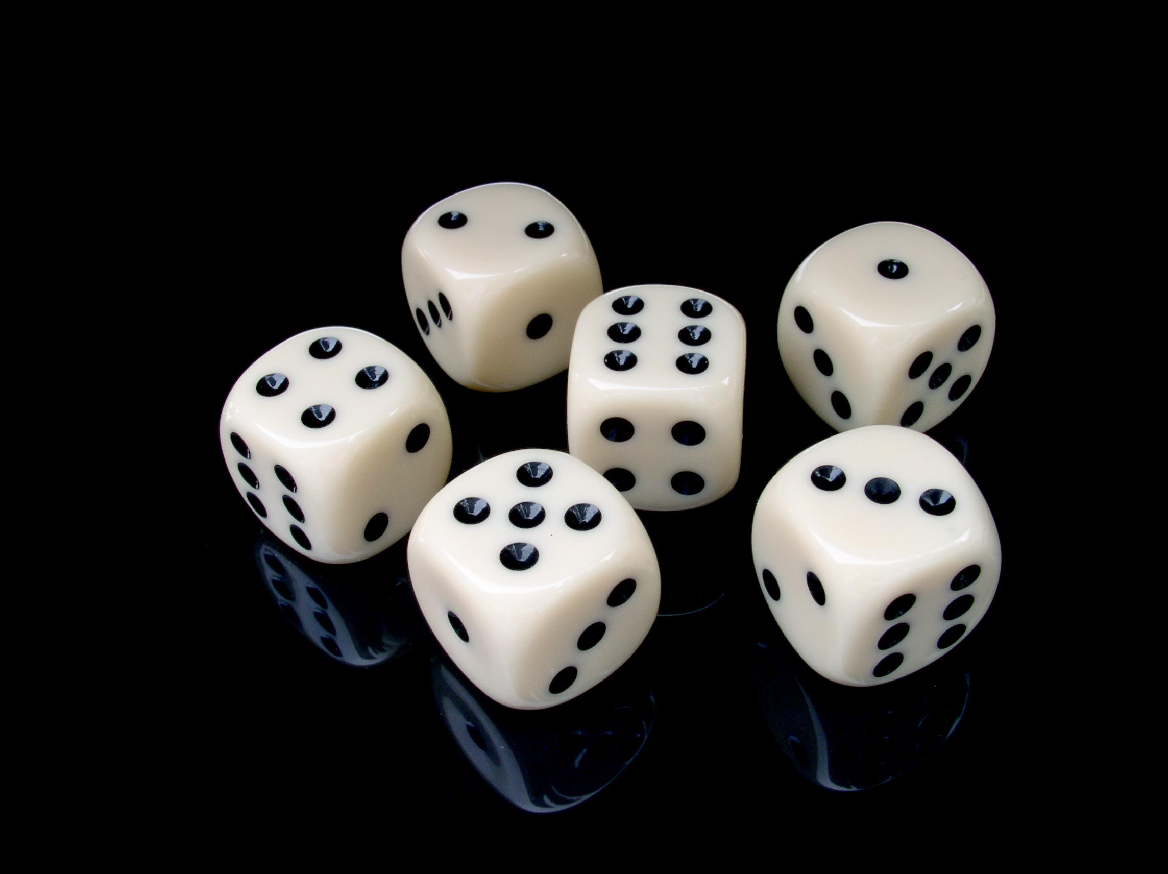 картинки кубиков для игры в кости индии китае зеленая