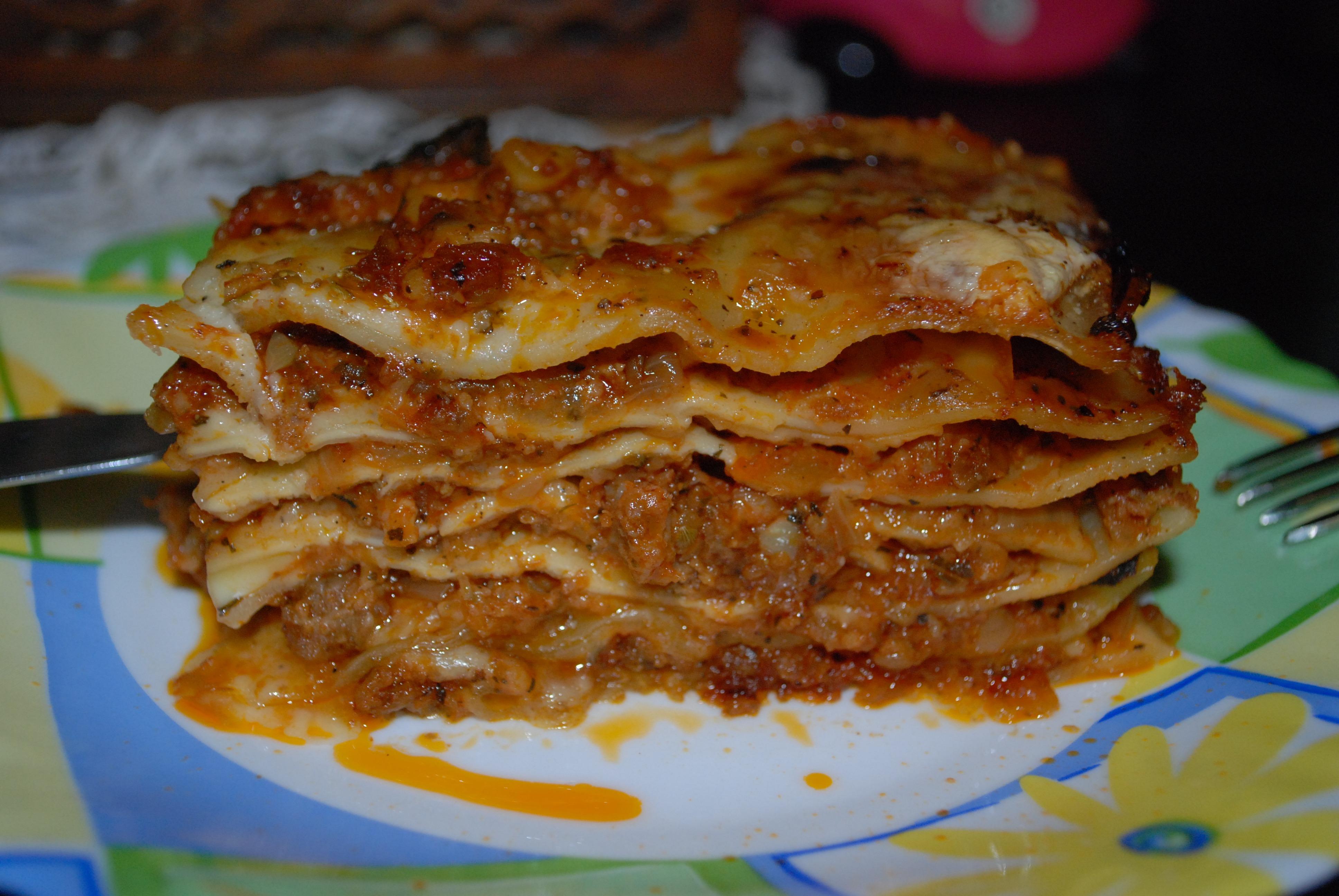Gambar Hidangan Menghasilkan Masakan Pasta Makan Malam