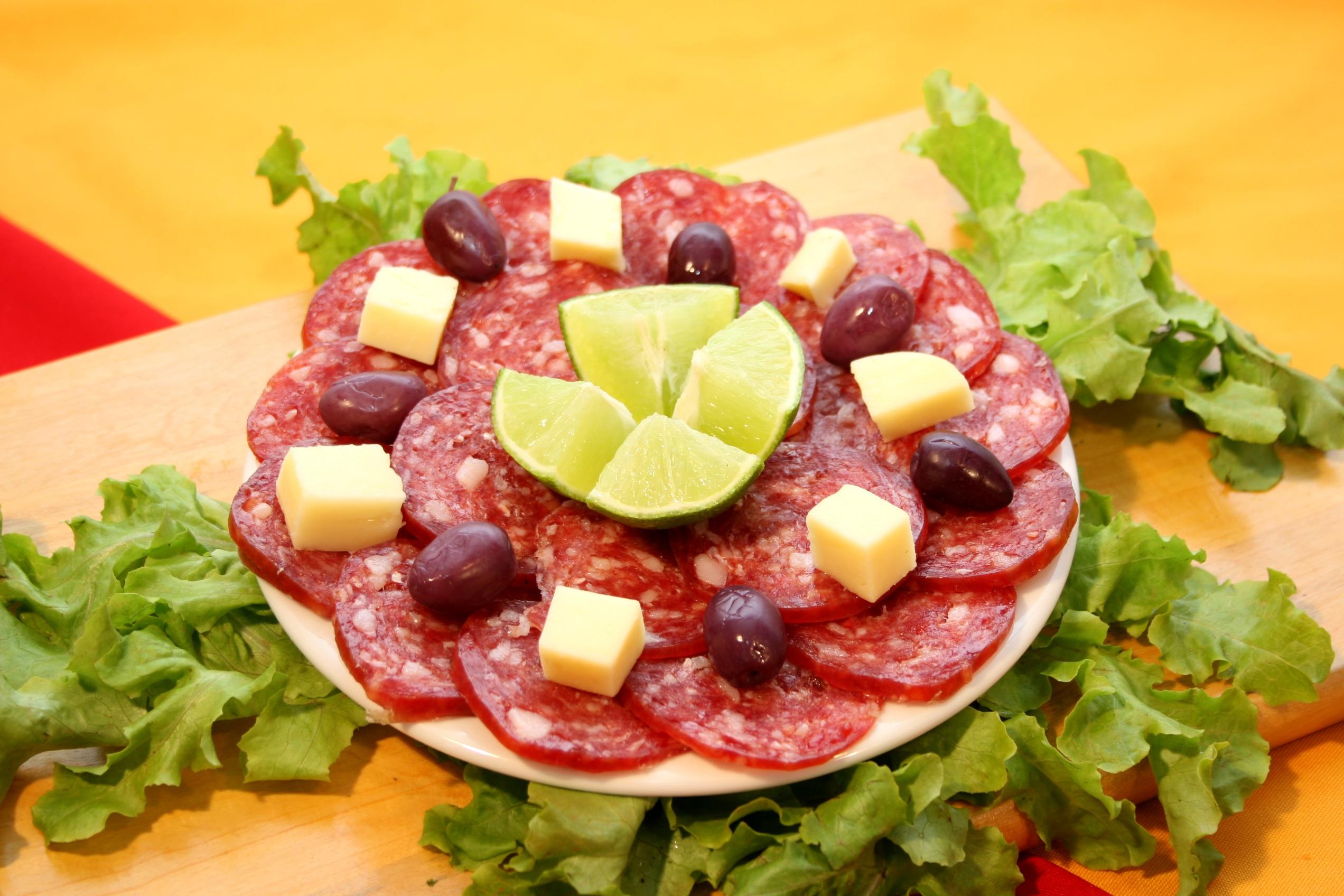 Fotos gratis : plato, ensalada, vegetal, receta, bocadillo, carne ...