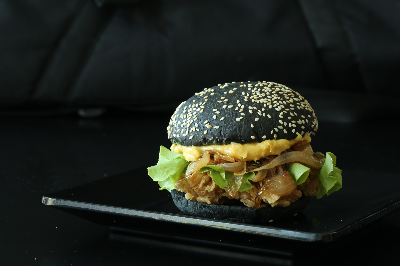 gratis afbeeldingen   schotel  maaltijd  eten  zwart  vlees  keuken  brood  kip  hamburger