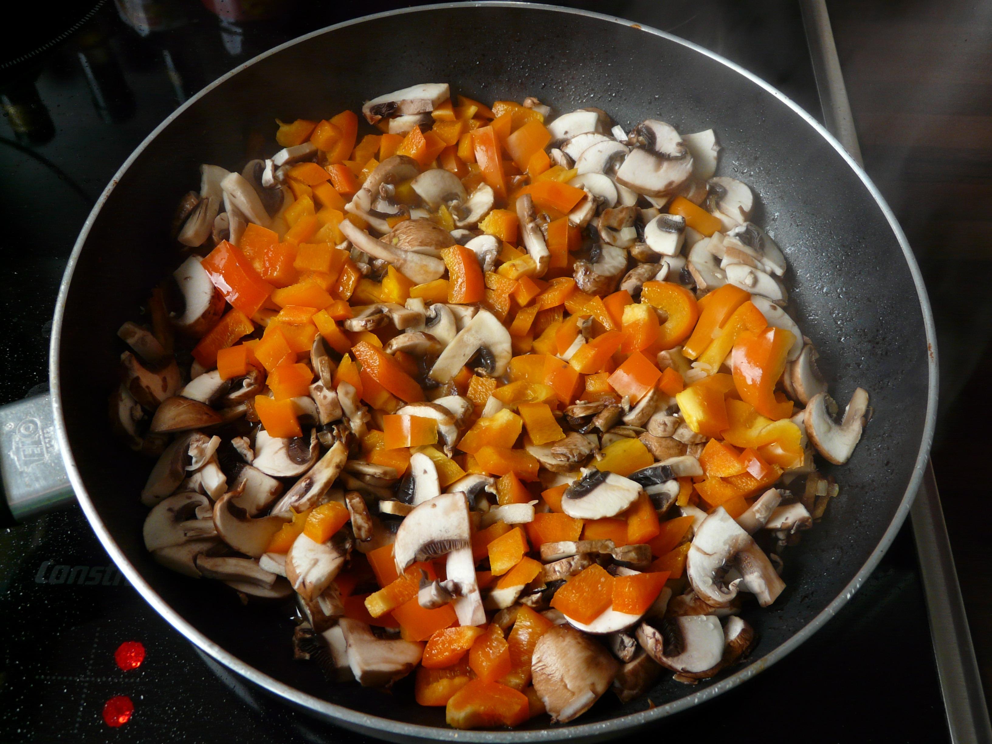 Plato Comida Comida Produce Vegetal Desayuno Cocina Pan Cocinar Estofado  Vegetales Hongos Comida Vegetariana Pimenton Cucurbita