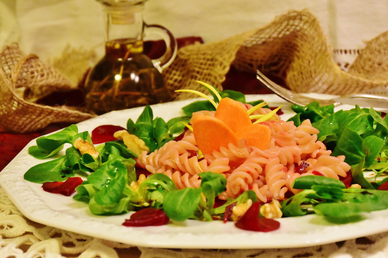 Gambar Hidangan Makanan Merah Menghasilkan Dapur Sehat Dekat Masakan Lezat Memasak Mie Vegetarian Minyak Akar Bit Domba Selada Pasta Salad