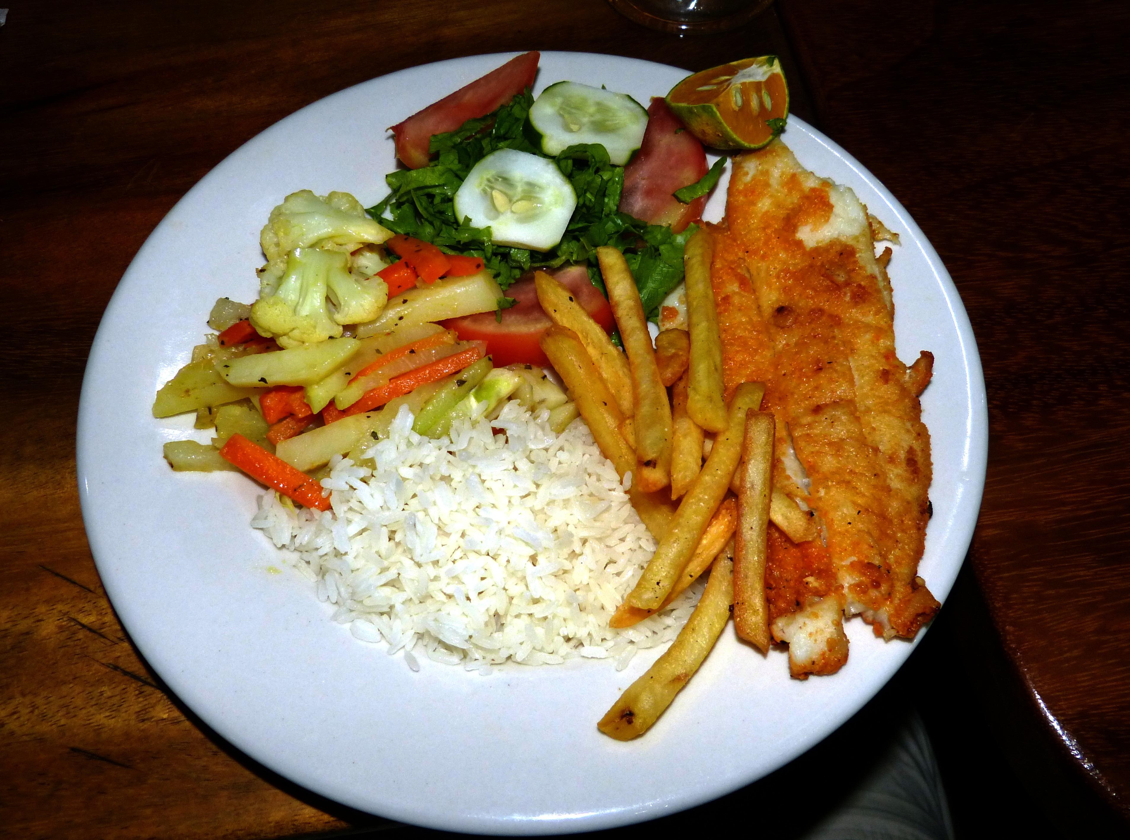 Fotos gratis plato ensalada produce cocina pescado for Almuerzo en frances