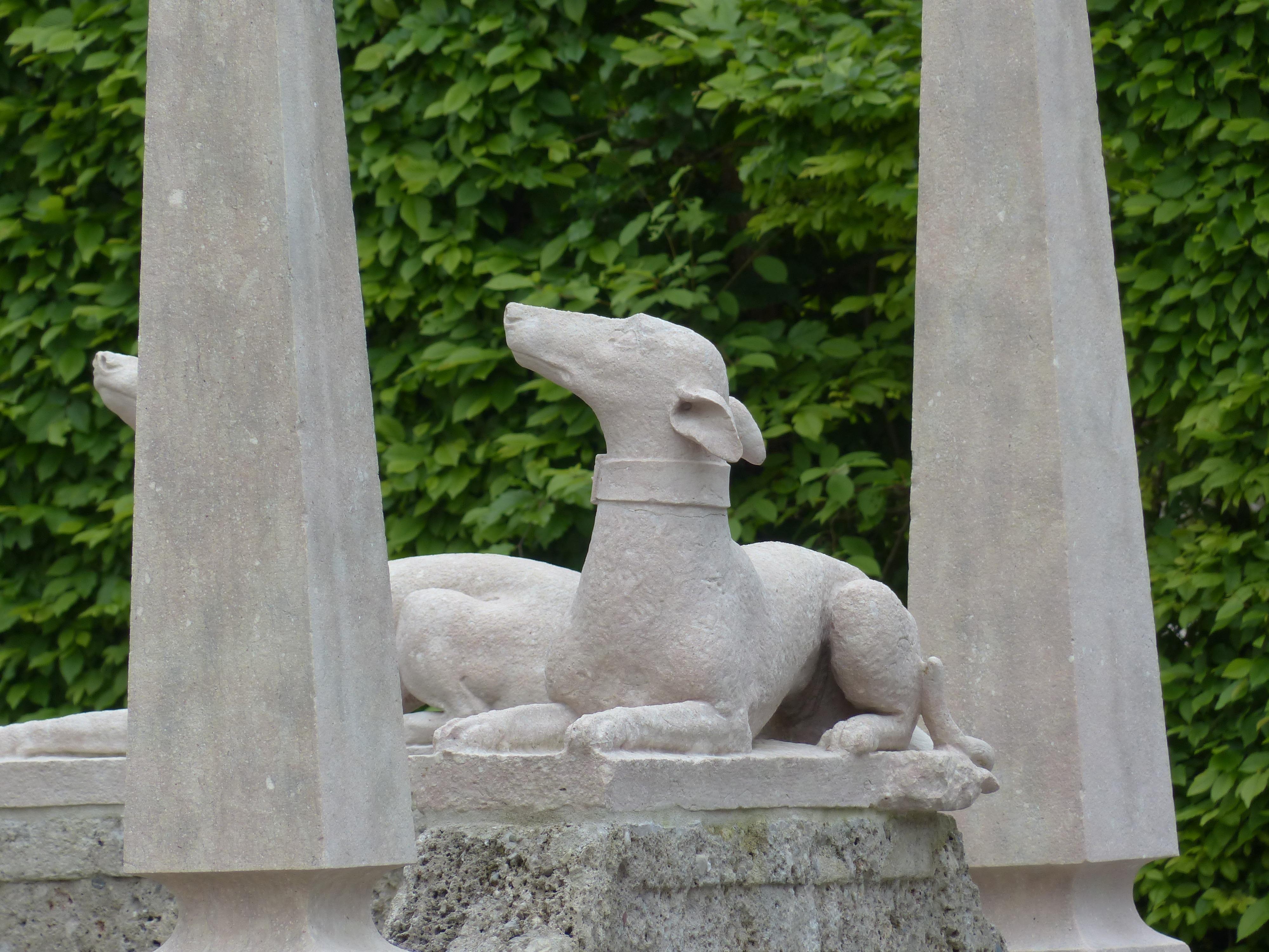 Dog Monument Statue Garden Sculpture Memorial Art Carving Stone Figure Garden  Statue Ornamental Garden Hellbrunn Mannerist