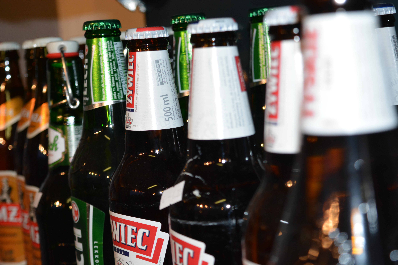 Kostenlose foto : Flasche, Bier, Alkohol, Flaschen, Bierflasche ...