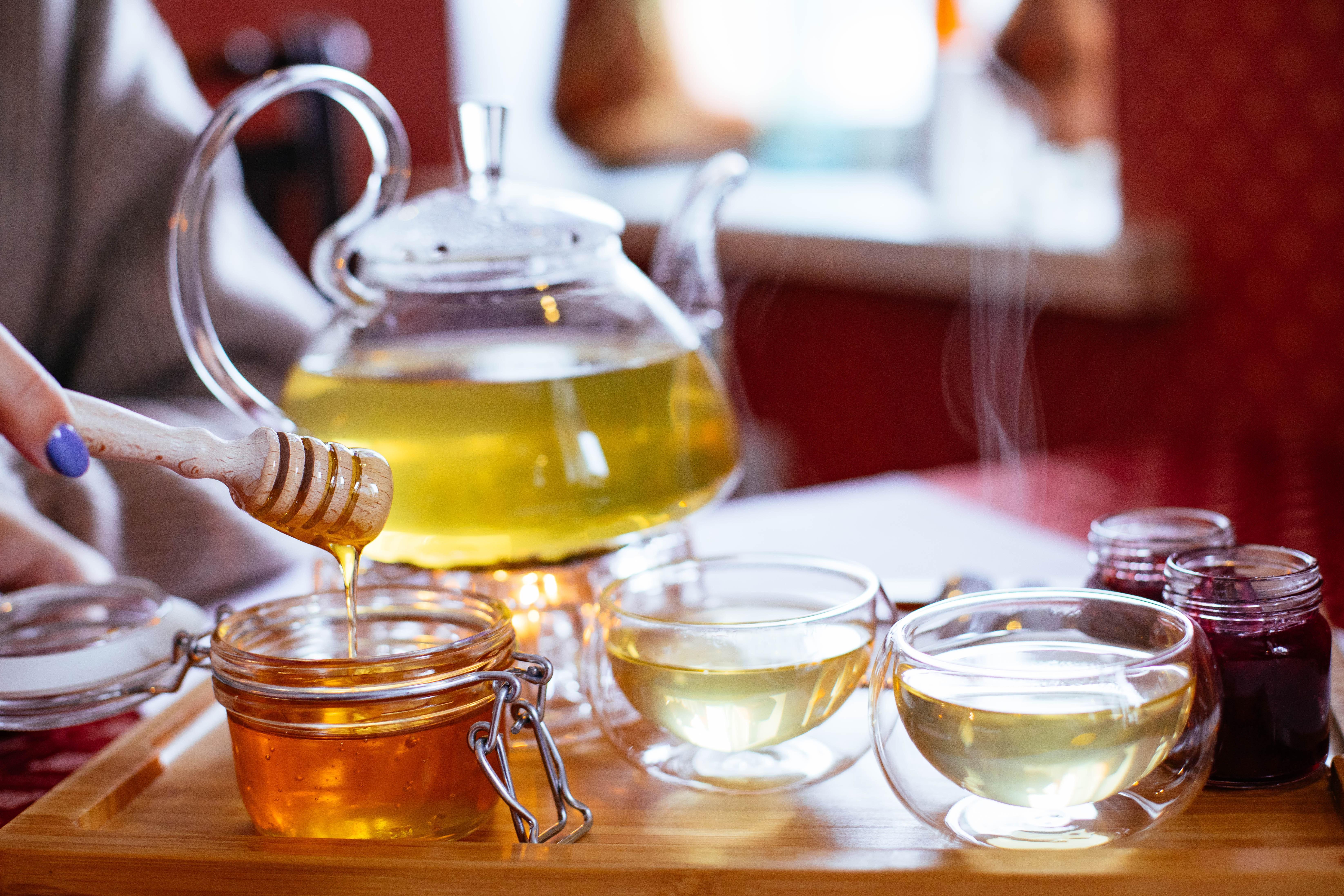 drink-chinese-herb-tea-honey-roasted-barley-tea-glass-alcohol-vegetable-oil-tea-distilled-beverage-liqueur-teapot-ingredient-tableware-1574029.jpg
