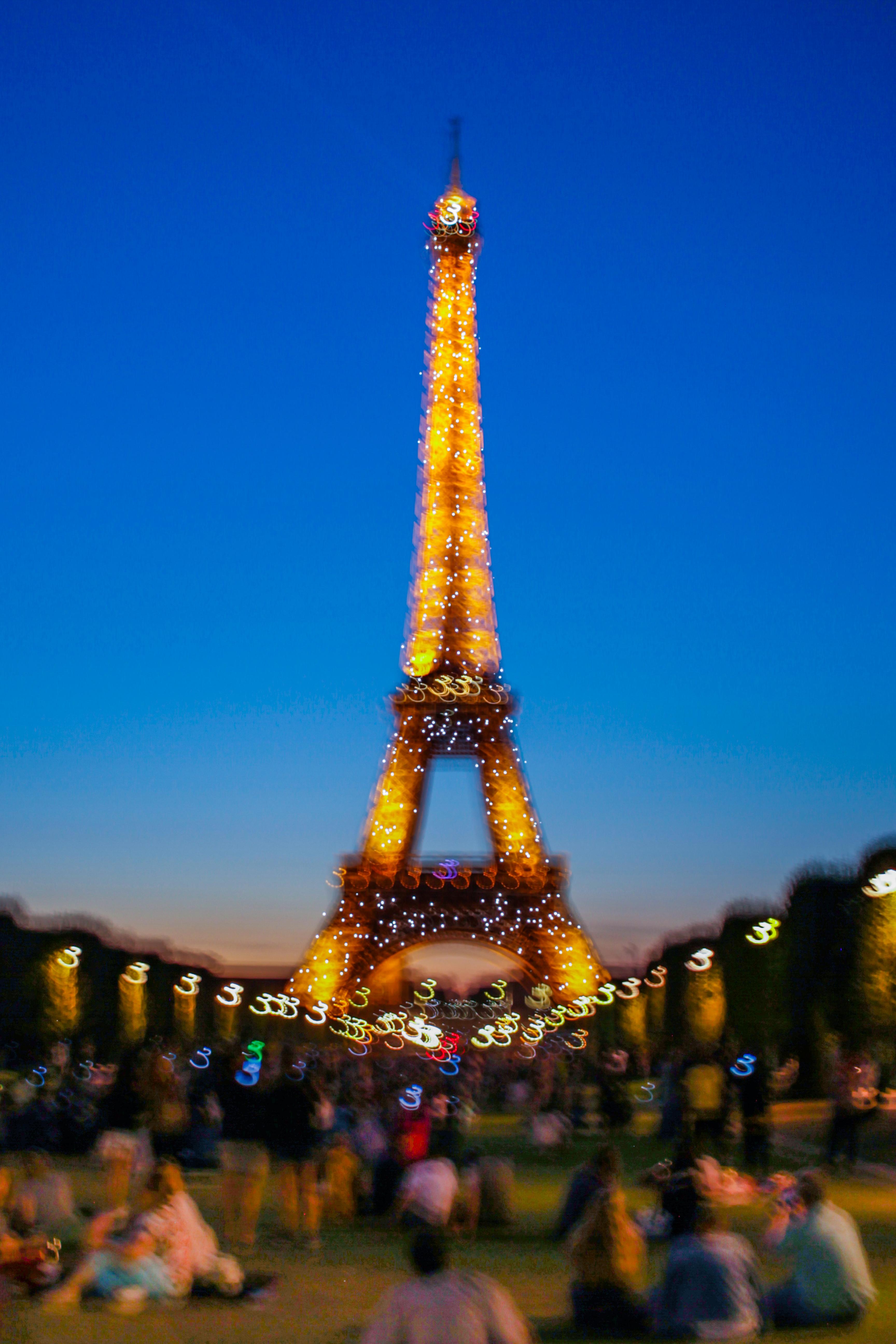 Bildet Eiffeltarnet Paris Frankrike Skumring Solnedgang Arkitektur Landemerke Tarn Himmel Byomrade Turistattraksjon Natt Metropolis Kveld Bybildet Belysning Dagtid By Tre Spir Turisme 3456x5184 Rob Smith 1453633 Bilder