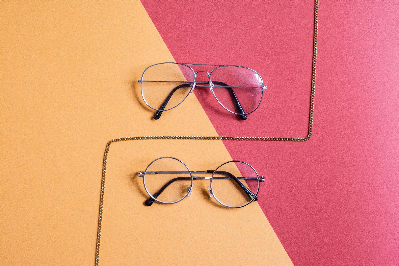 Как правильно фотографировать очки одета яркое