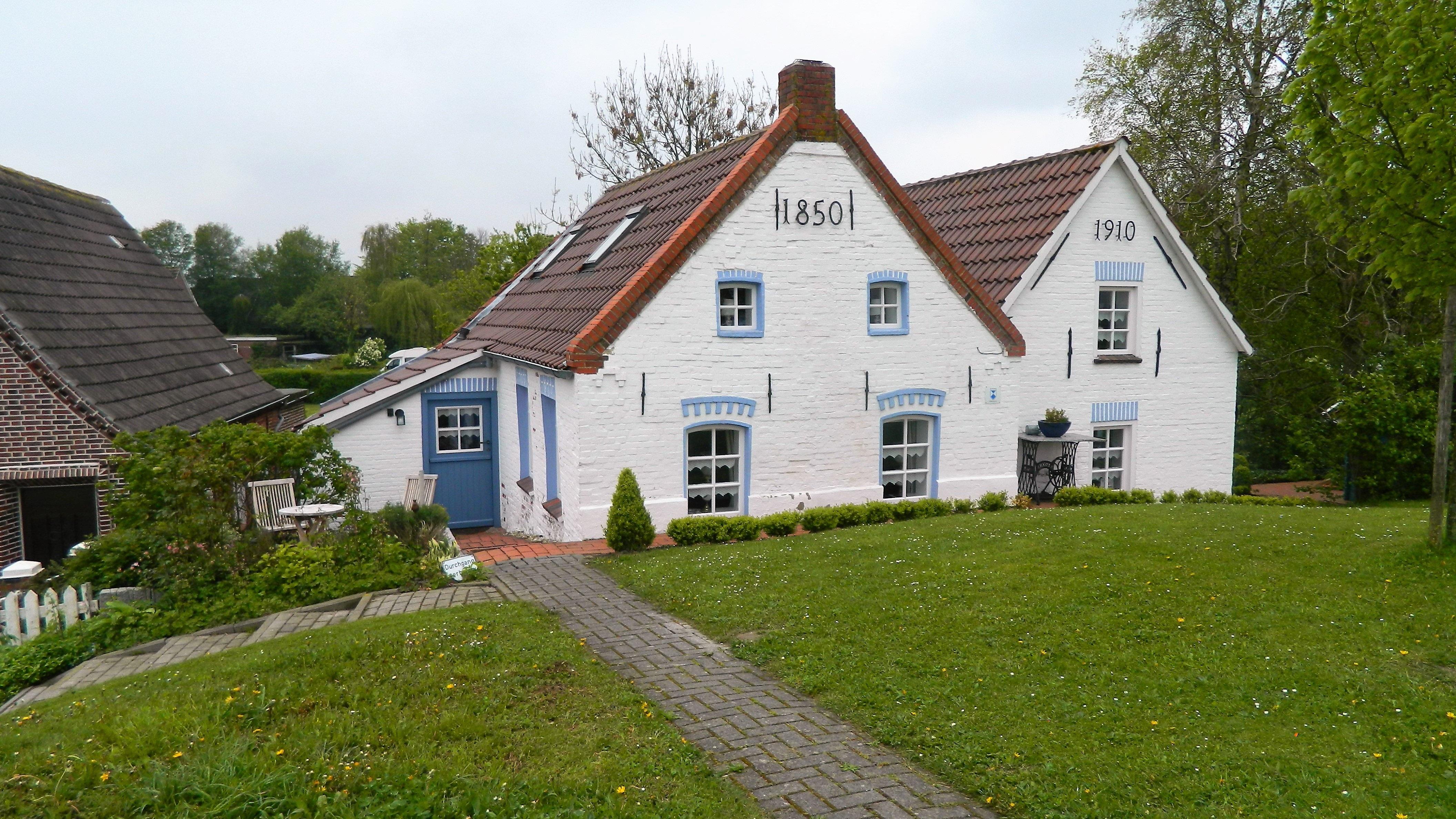 Fotos gratis granja c sped villa edificio pueblo caba a propiedad capilla casa de - Casa rural la granja ...