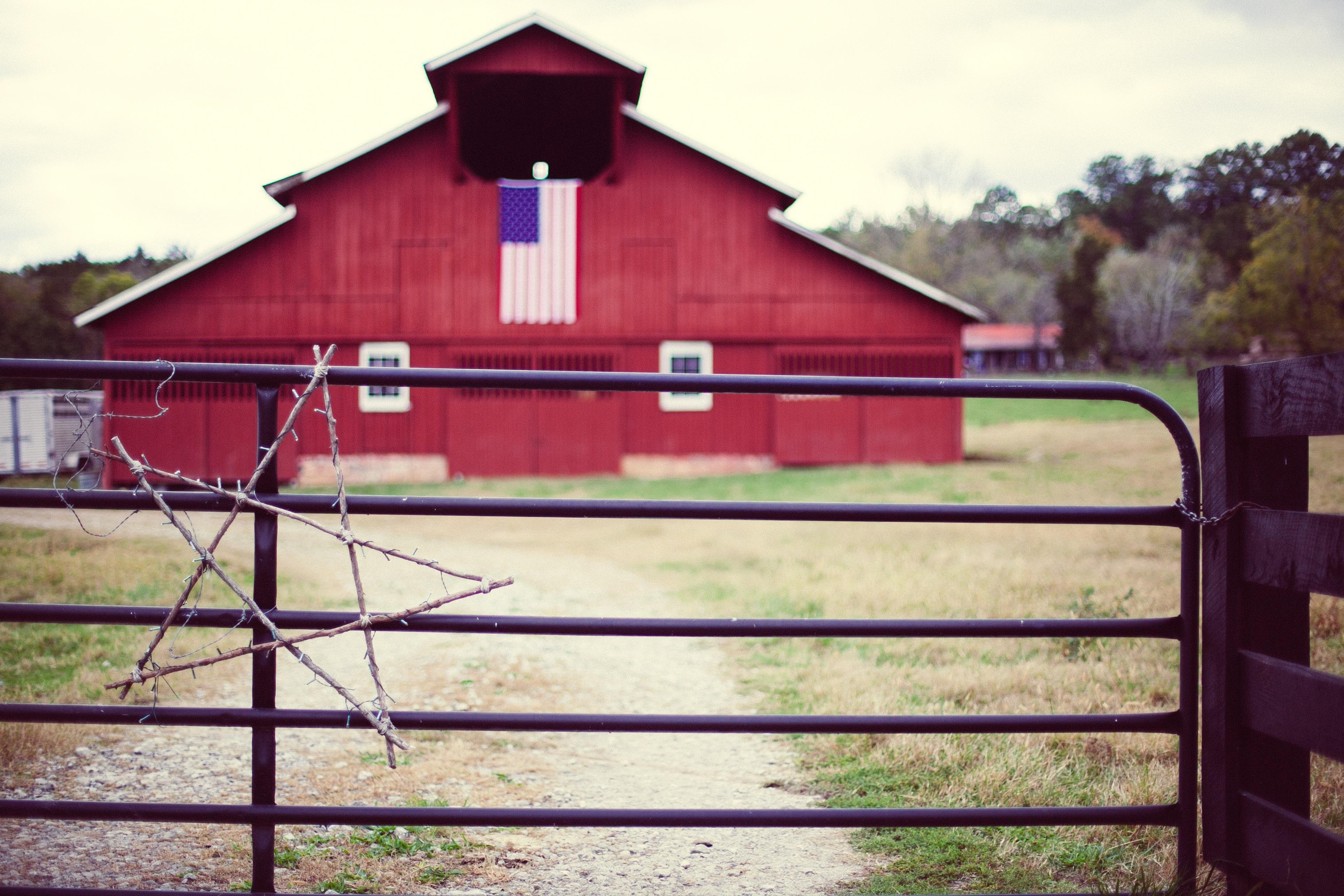 Ferme cru antique campagne bâtiment vieux grange pays rustique rural rouge chalet couleur ranch etats