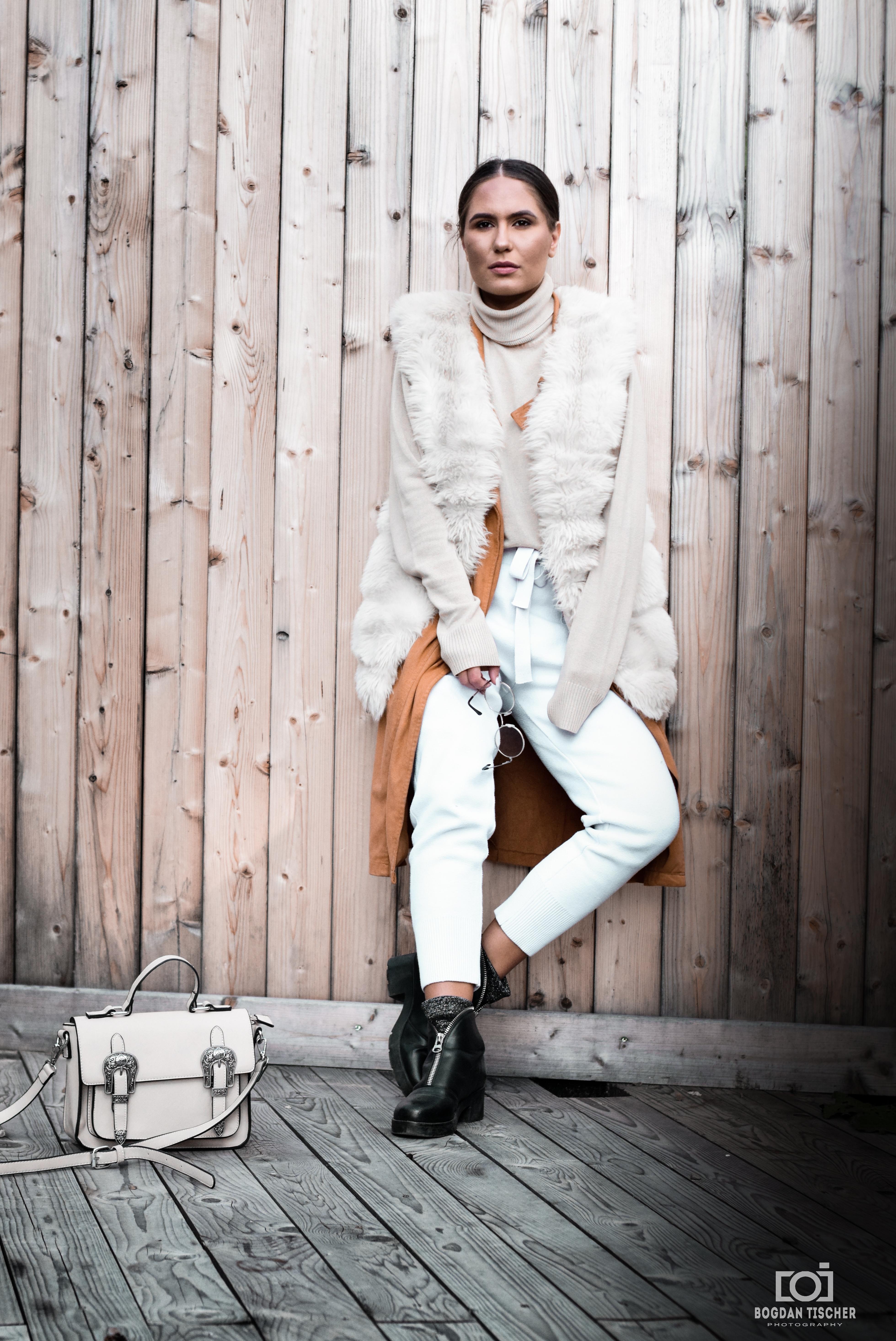 ファッション モデル 秋 自然性 美しさ 反射 写真 ポートレート 白 写真 座っている