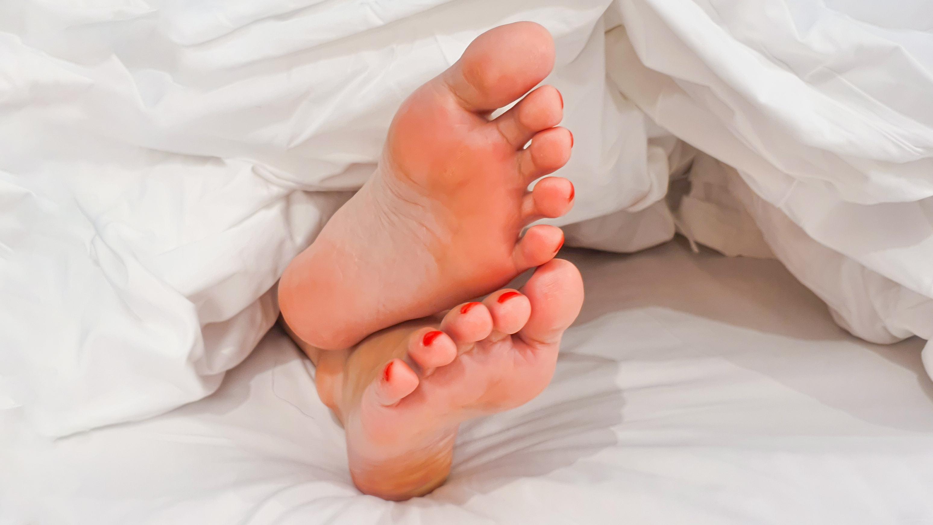 Pics female feet At Her