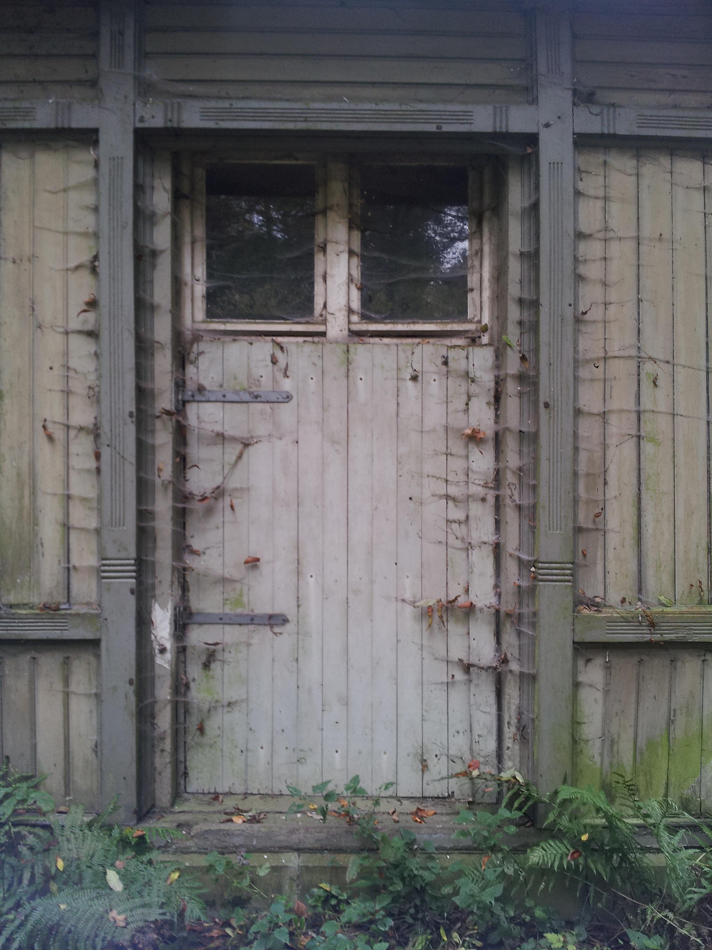 Vieux Portail En Bois images gratuites : clôture, architecture, bois, fenêtre