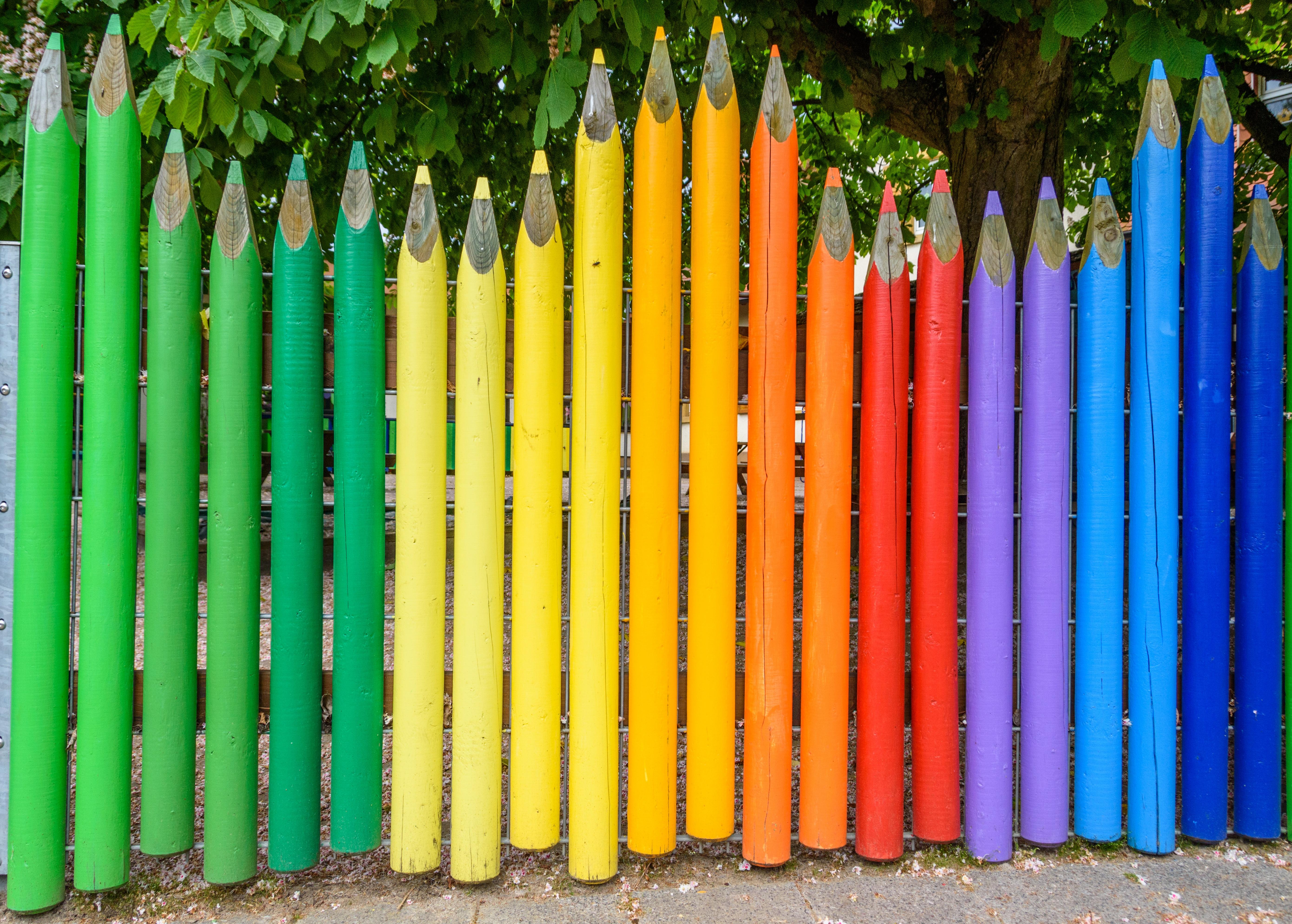 무료 이미지 : 색깔, 화려한, 유치원, 연필, 정원 울타리, 옻칠 한 ...