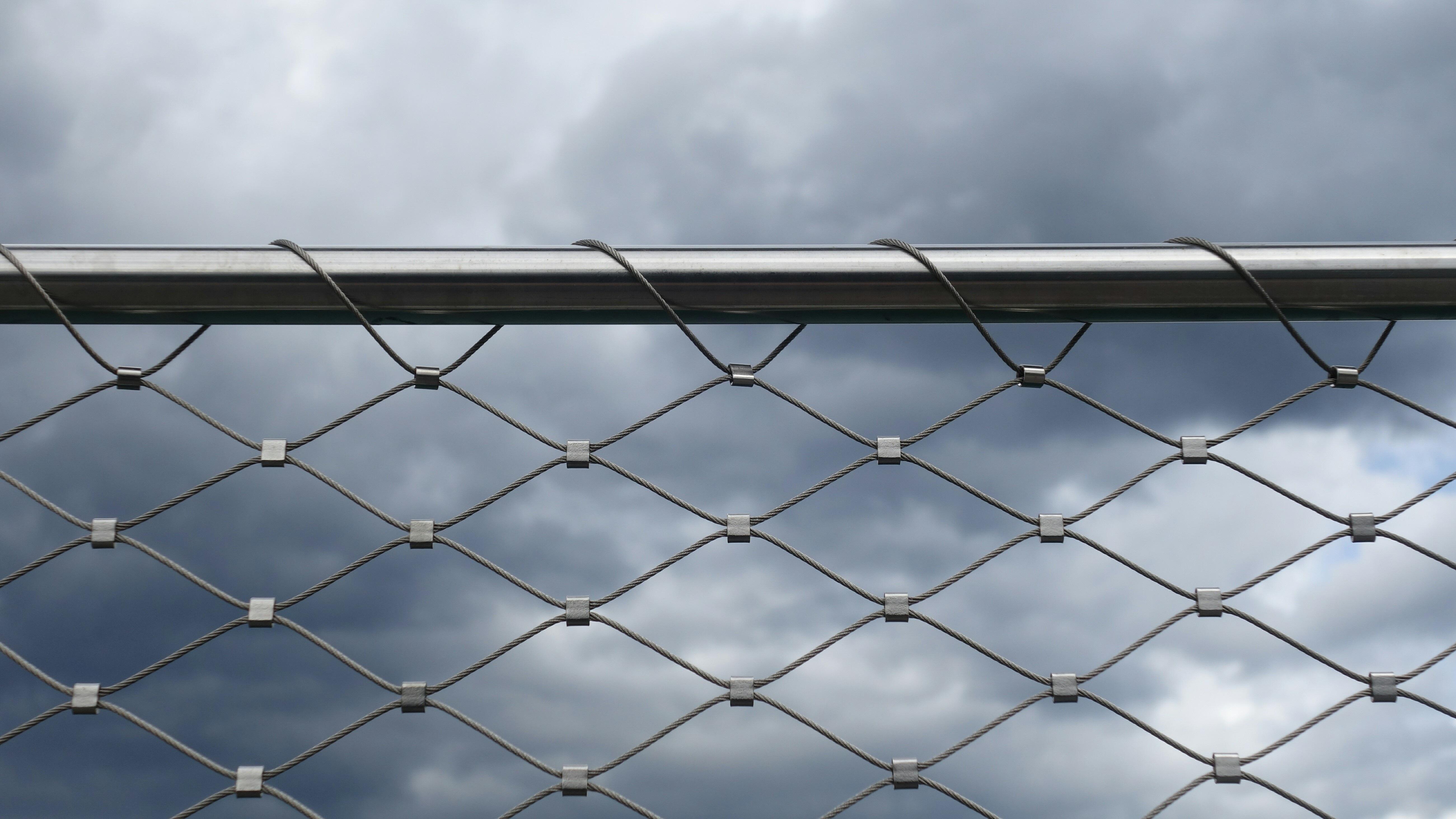 Roof fencing bonderized western rib