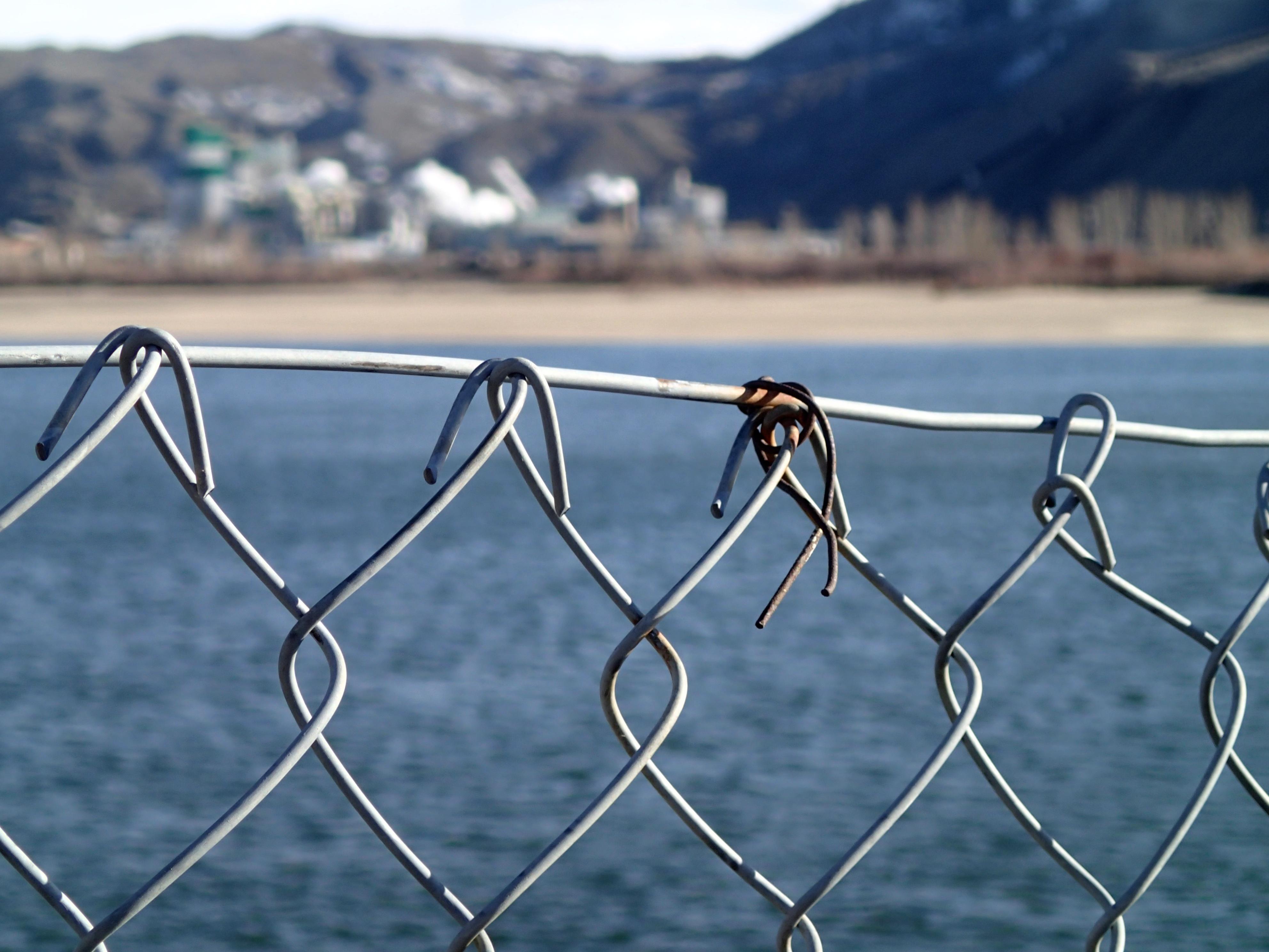 Kostenlose foto : Zaun, Wind, Linie, Mast, blau, Elektrizität ...