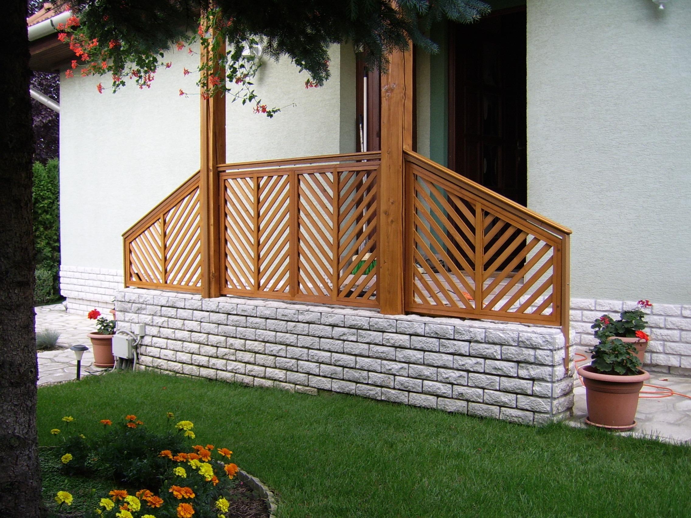 Kostenlose foto Zaun Holz Rasen Gebäude Mauer Veranda