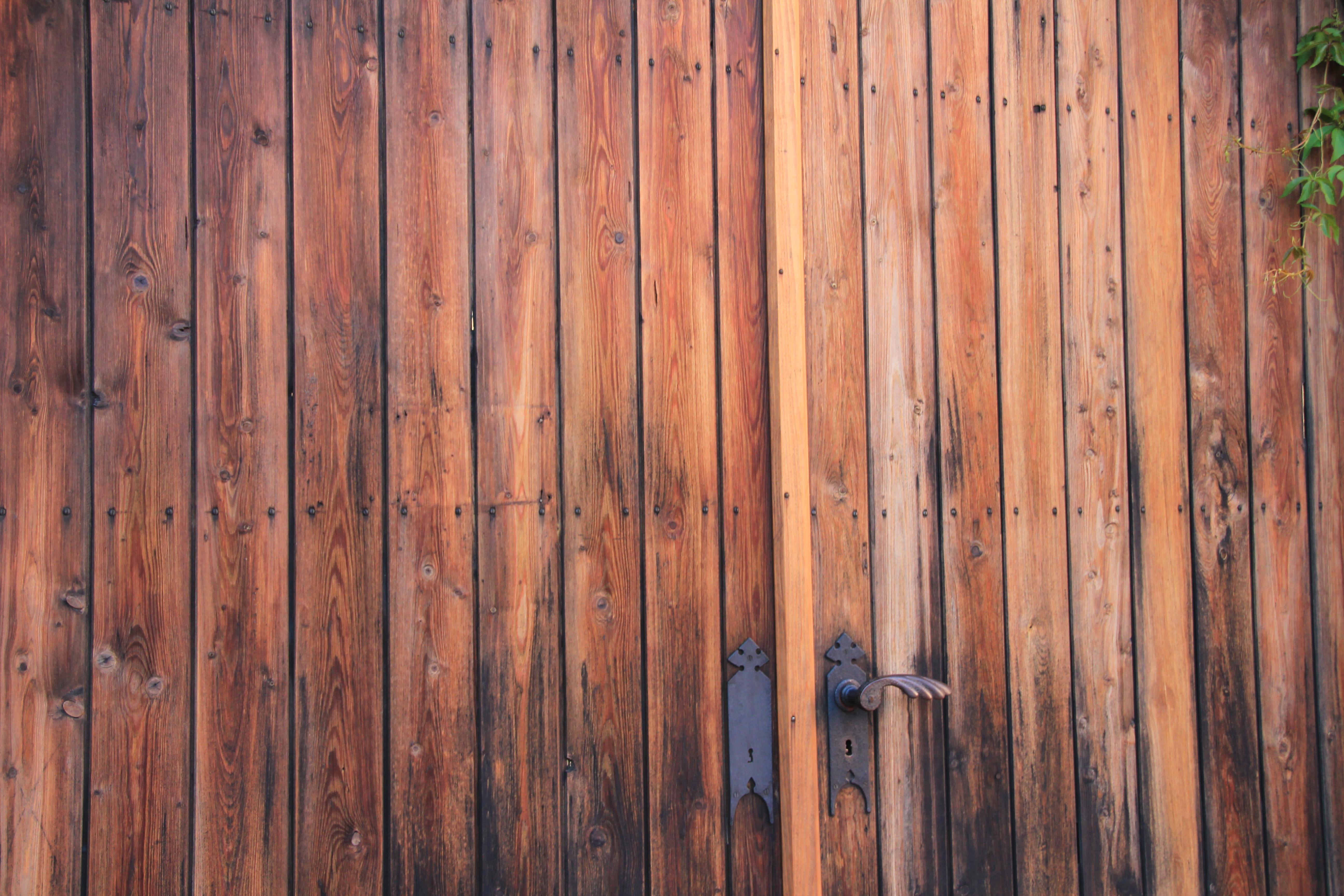 La Plinthe Du Mur images gratuites : texture, planche, mur, porte, objectif