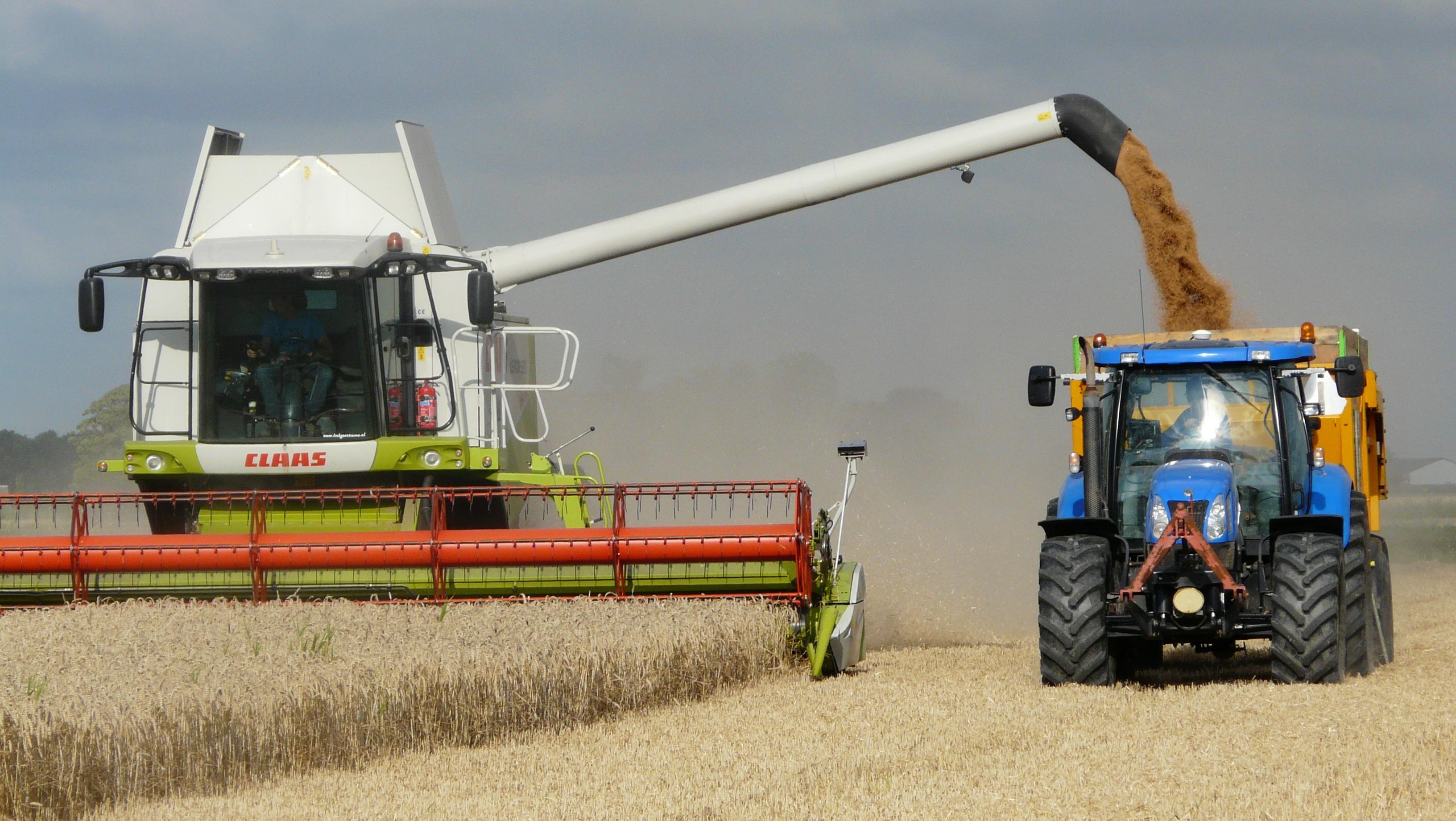 free images field vehicle crop machine agriculture harvester combine harvest time. Black Bedroom Furniture Sets. Home Design Ideas