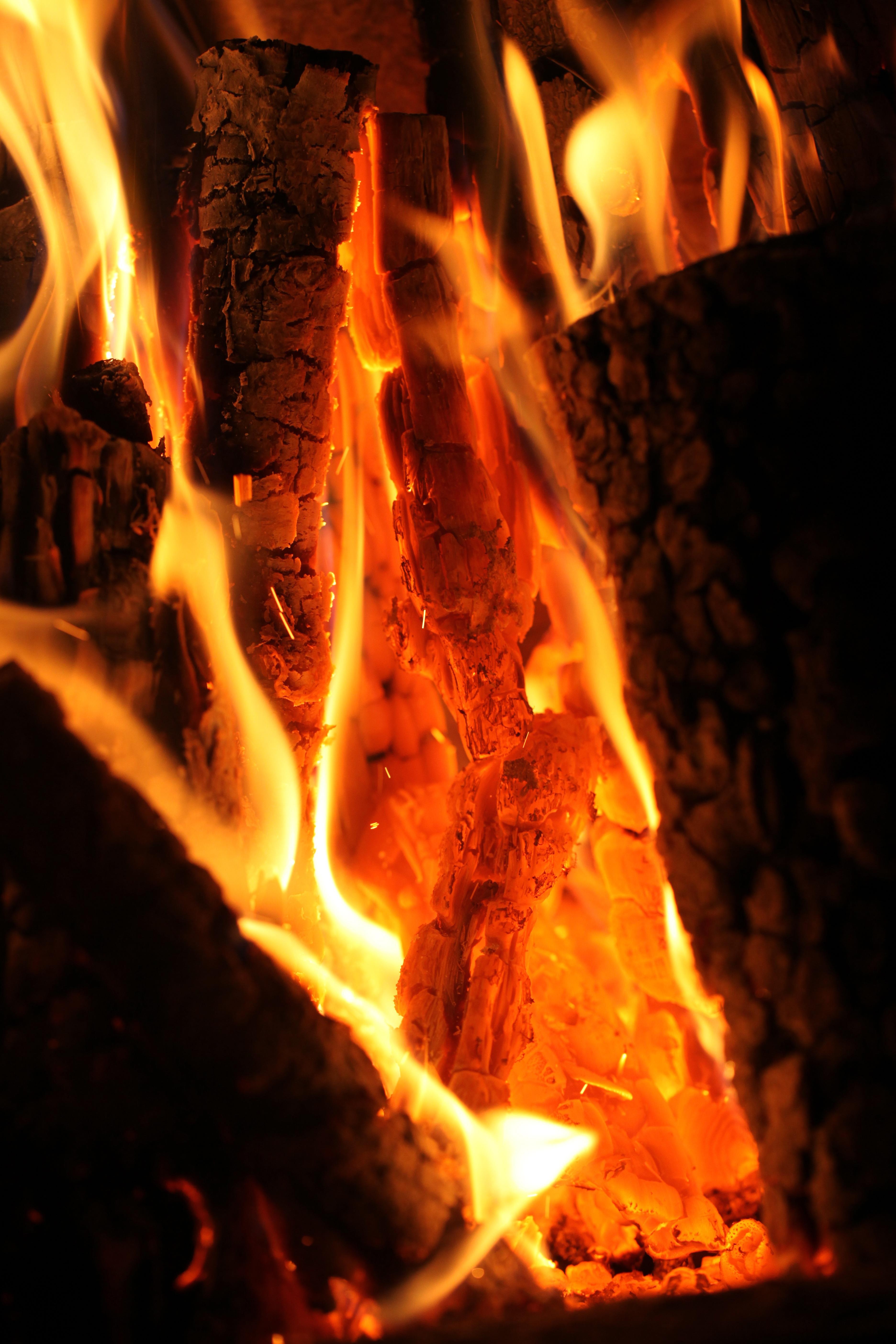 Kostenlose foto : Flamme, Feuer, Lagerfeuer, brennen, heiß, Flammen ...