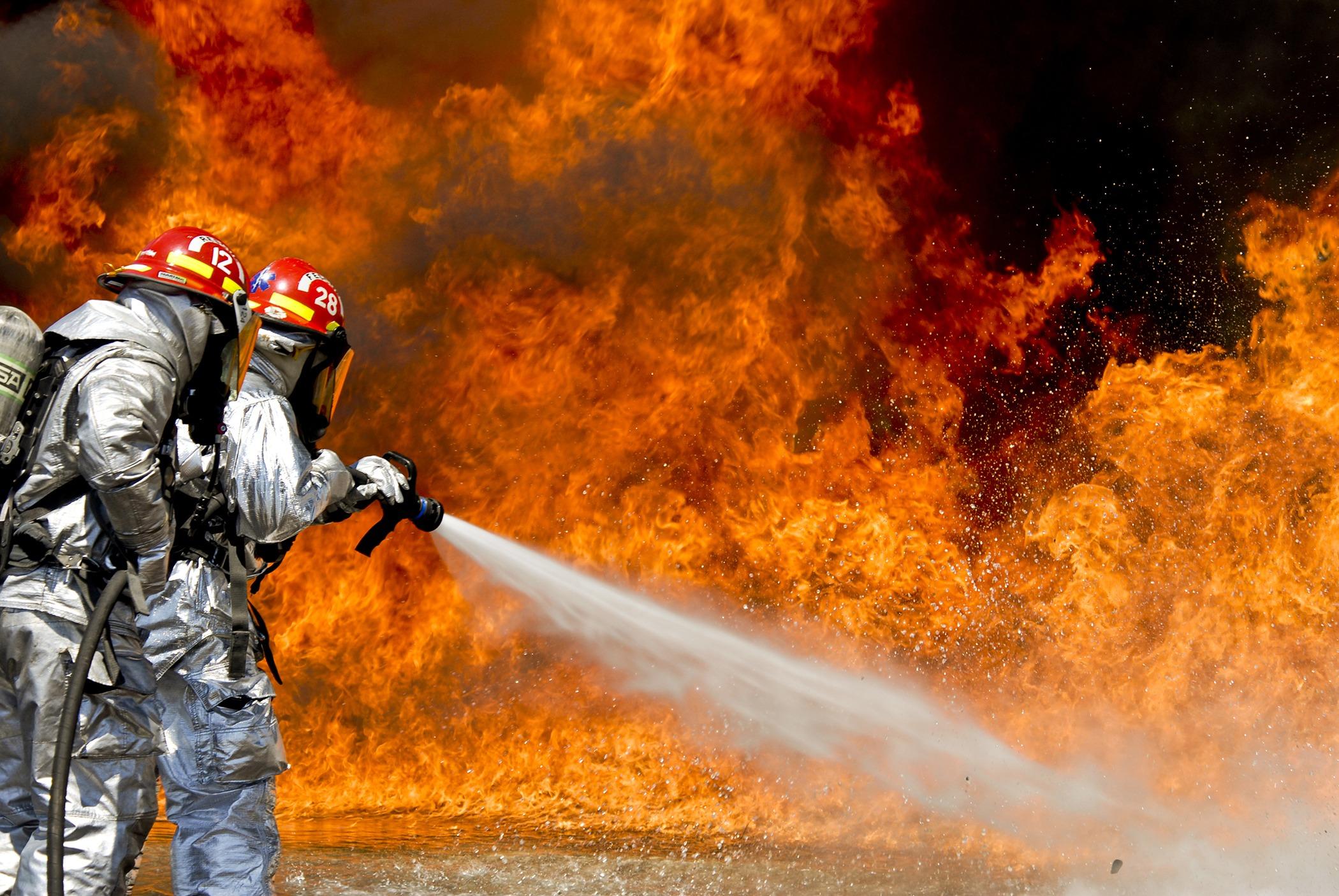 Flame Fire Men Volunteer Hero Firefighter Firefighters Screenshot Wildfire Firemen Hose Computer Wallpaper Geological Phenomenon