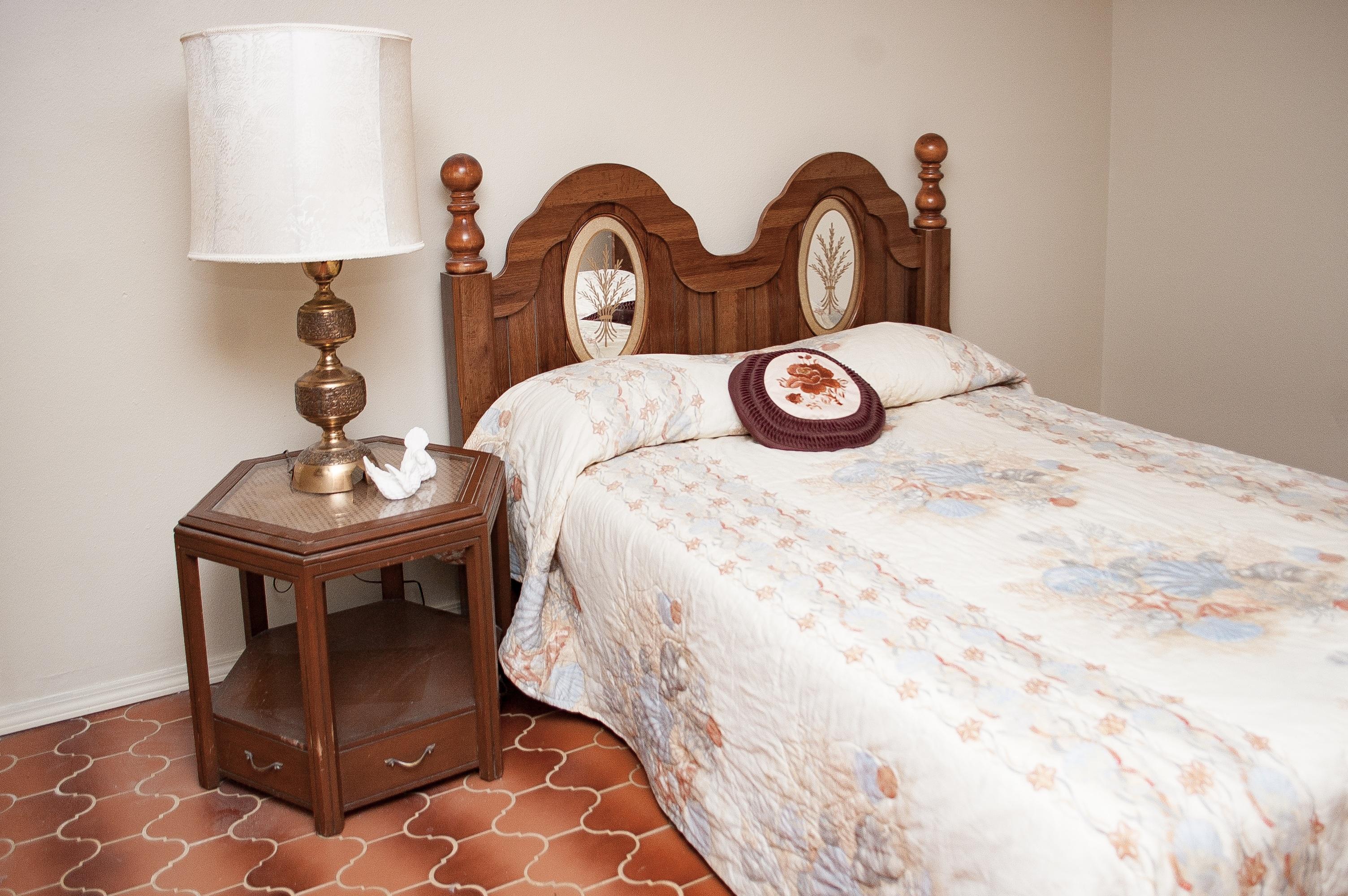 Floor Cottage Furniture Room Bedroom Interior Design Textile Bed Suite Old Fashioned Duvet Cover Sheet
