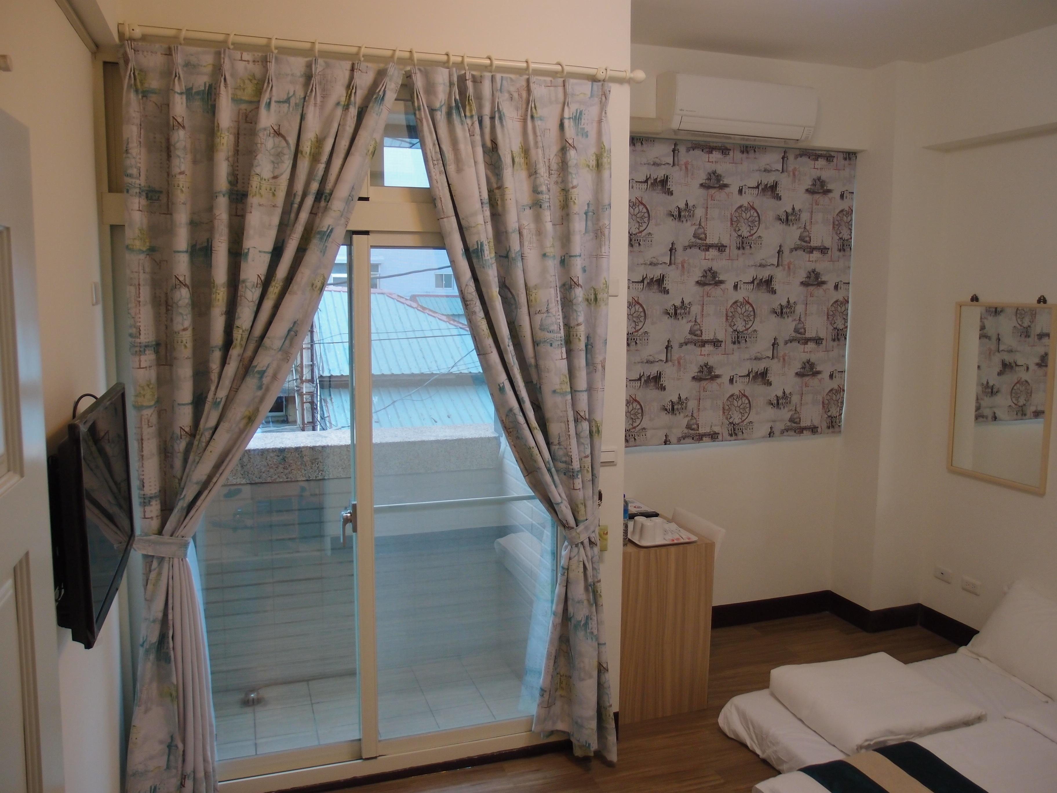 Banco de imagens ch o casa chal cortina propriedade for Cortinas baratas para habitacion