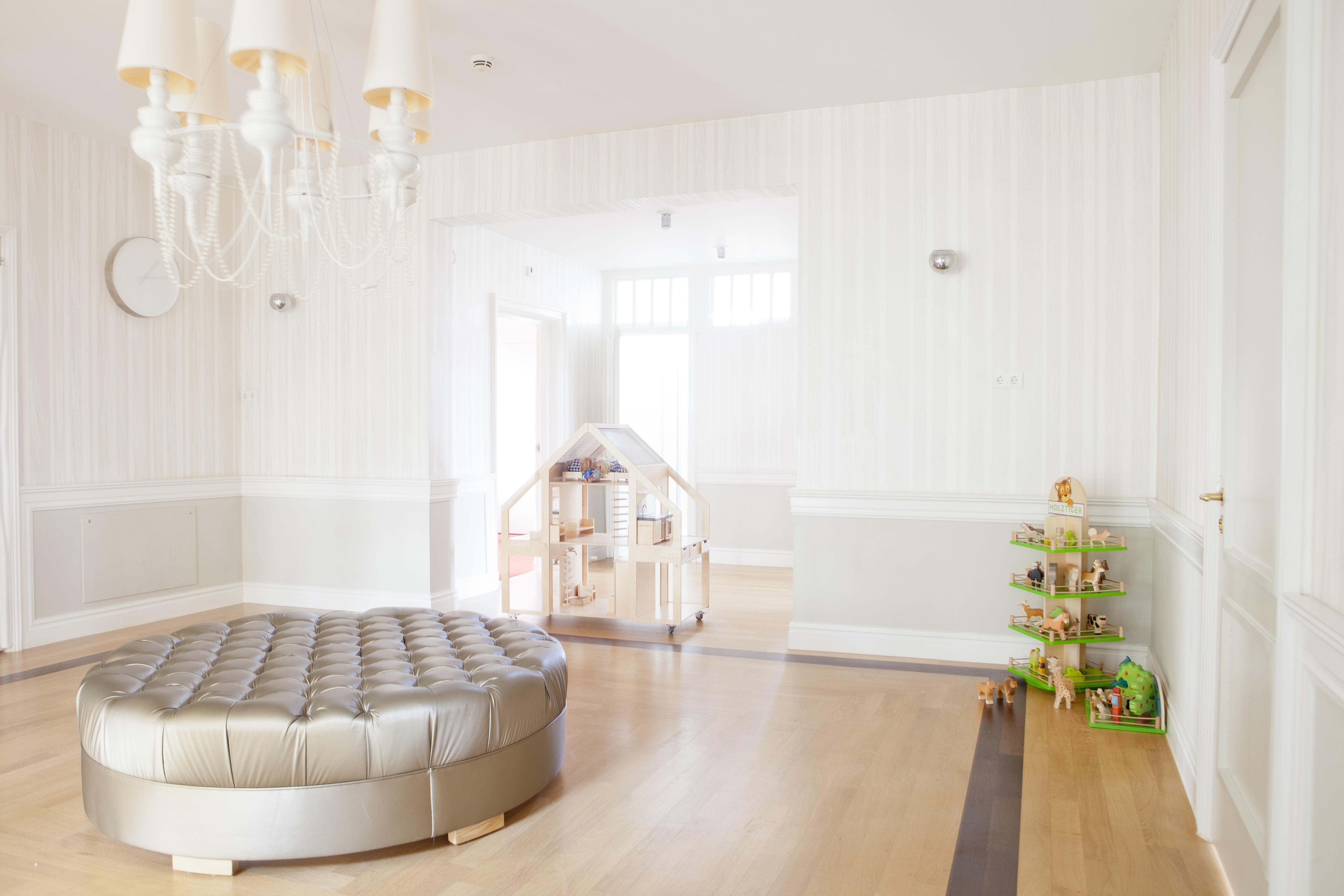 Sol Chambre D Enfant images gratuites : sol, maison, chalet, propriété, meubles