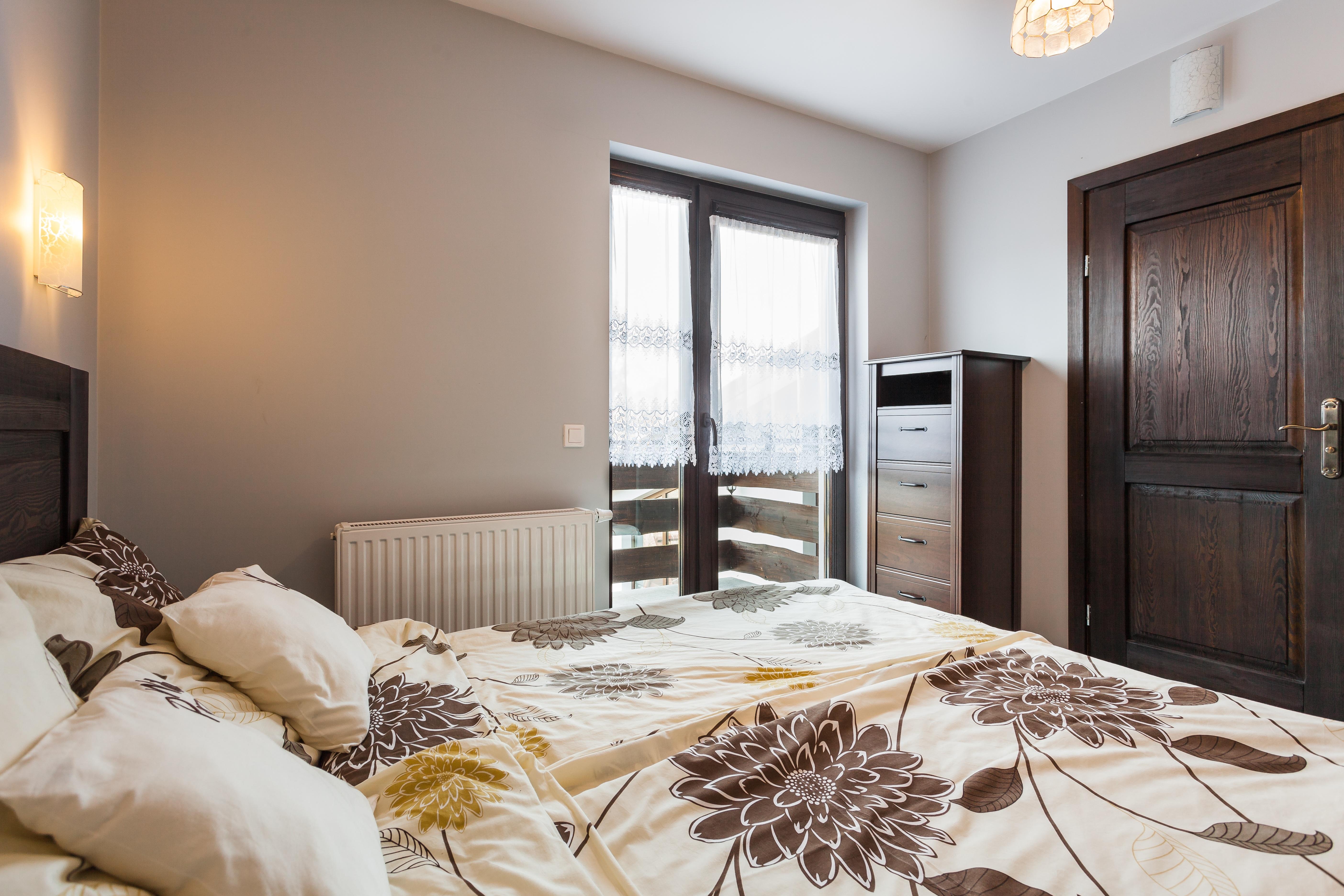 무료 이미지 : 바닥, 시골집, 재산, 거실, 가구, 방, 침실 ...