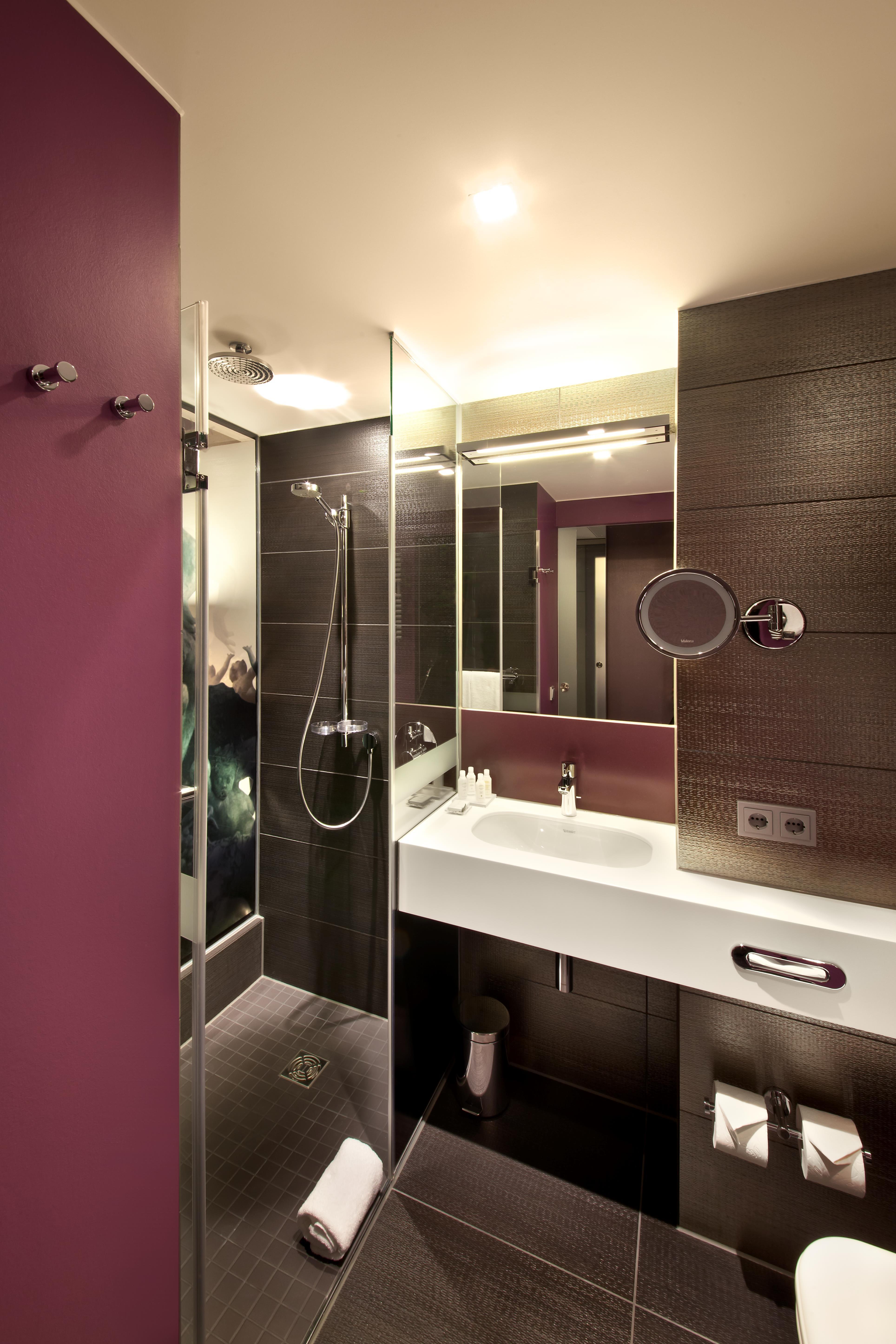 Stock Zuhause Zimmer Beleuchtung Wohnung Innenarchitektur Badezimmer  Entwurf Hotel Berlin Suite Alexanderplatz Sanitärarmatur