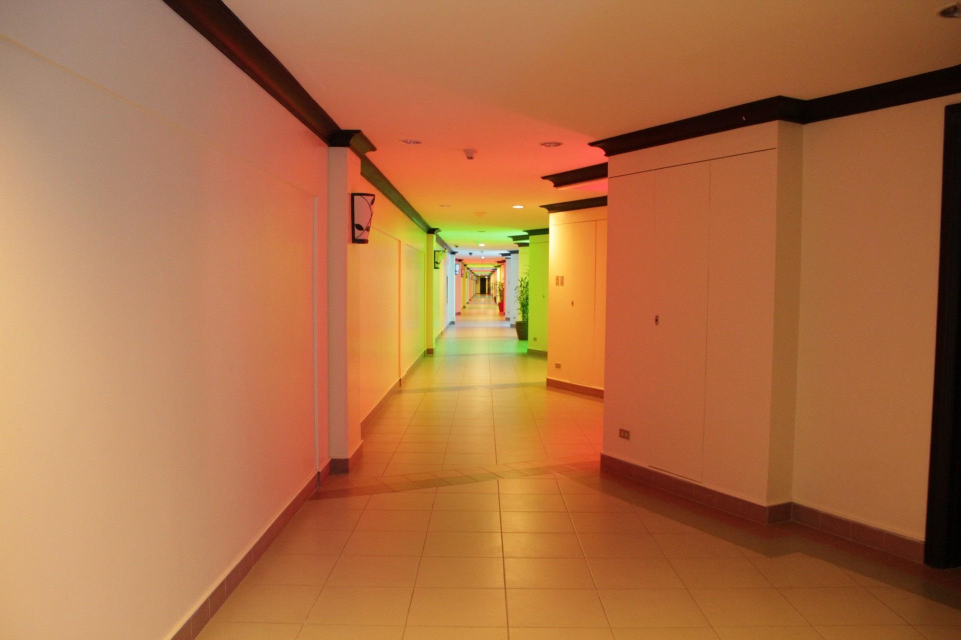 Images Gratuites : sol, maison, mur, salle, Couleur, propriété ...