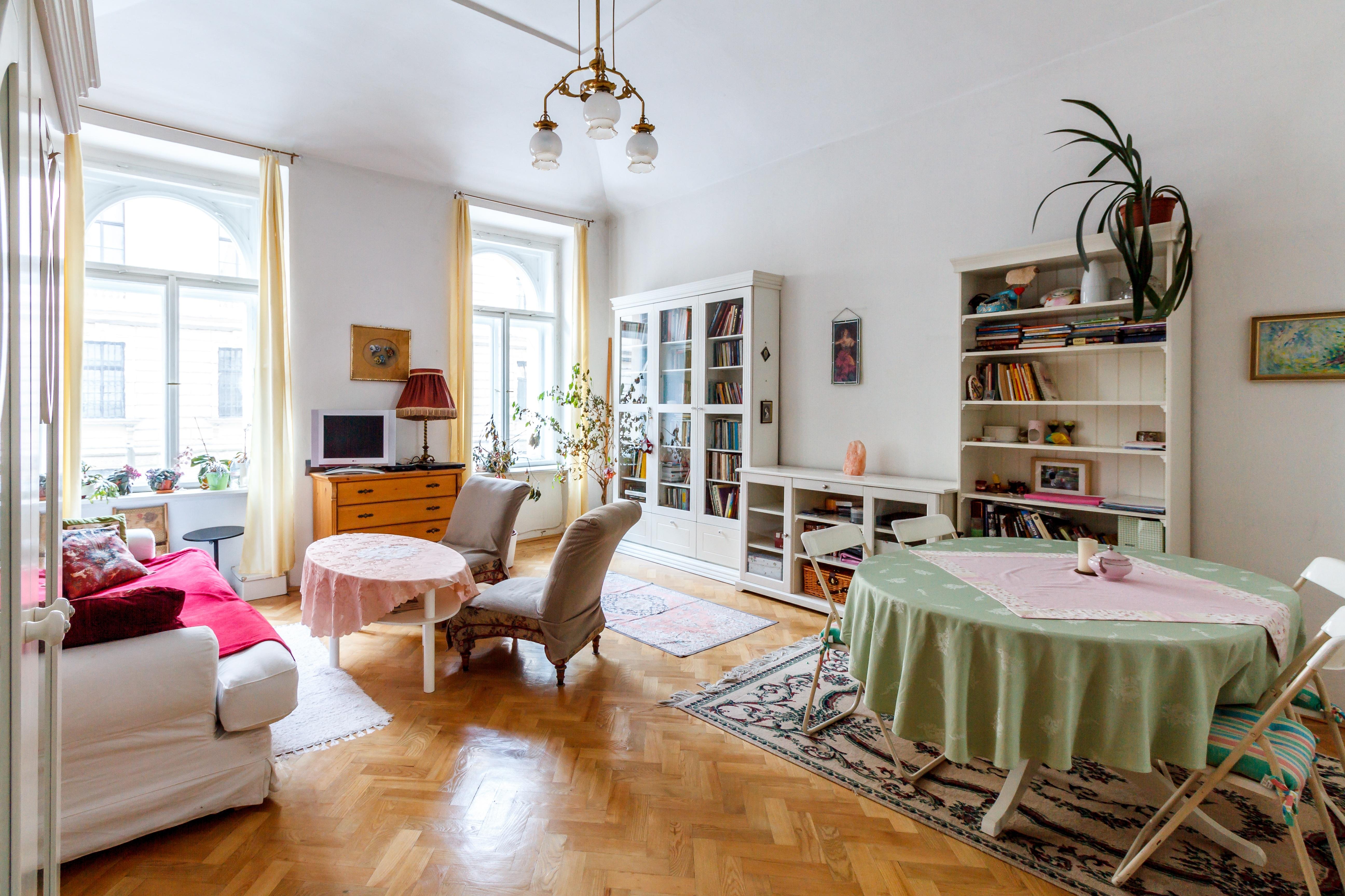 Floor Interior Home Cottage Property Living Room Residential Apartment Design Hardwood Farmhouse Estate Condominium