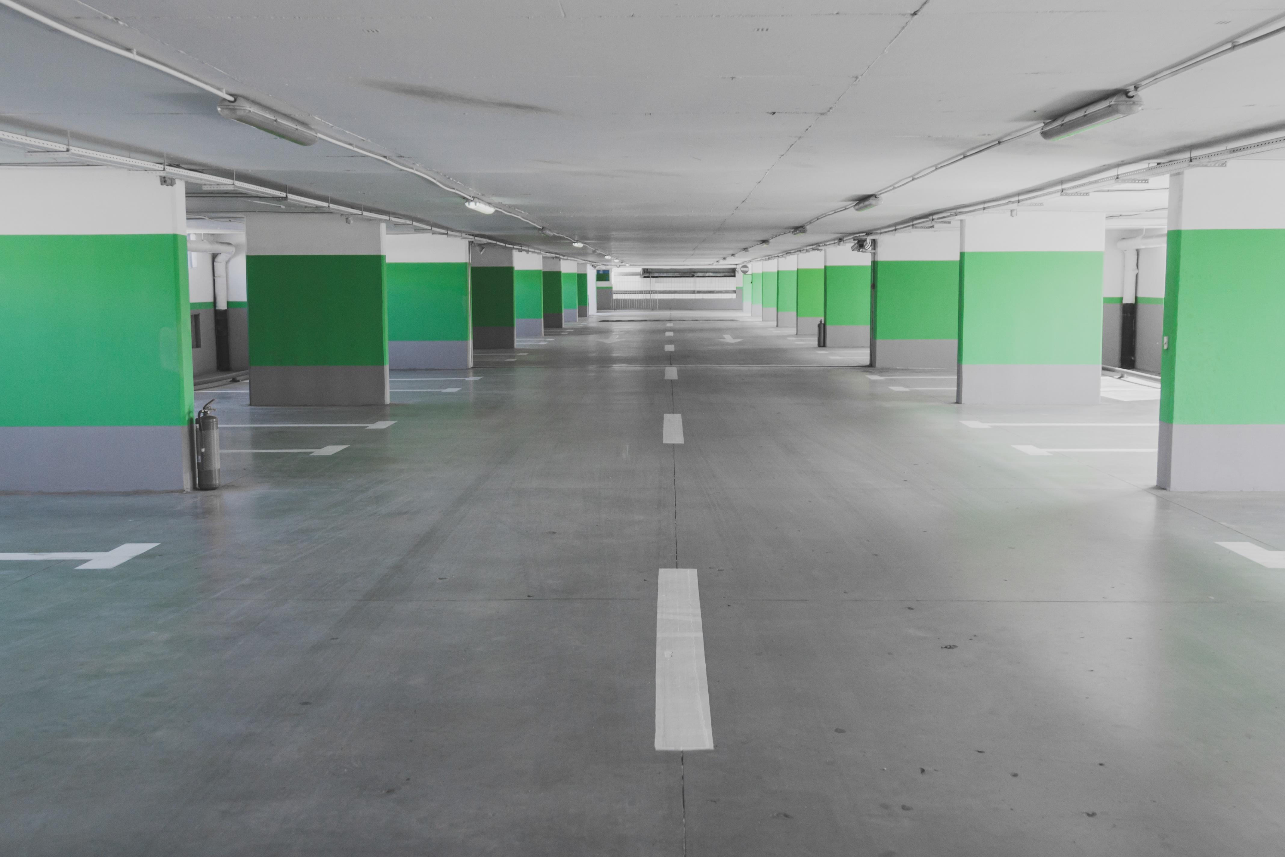 Fotos Gratis Piso Estacionamiento Subterraneo