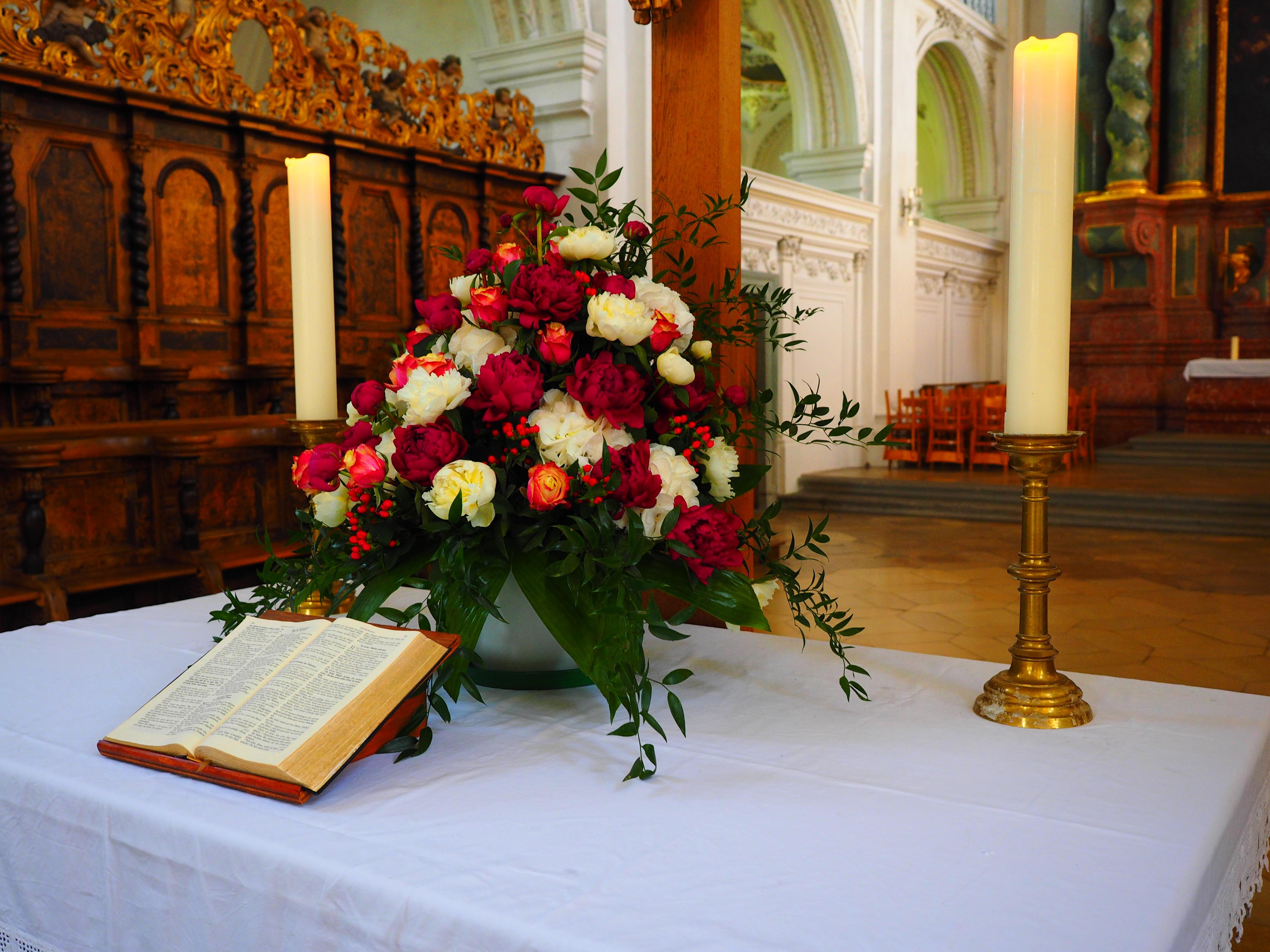 Fotos Gratis Flor Ramo Iglesia Boda Biblia Flores