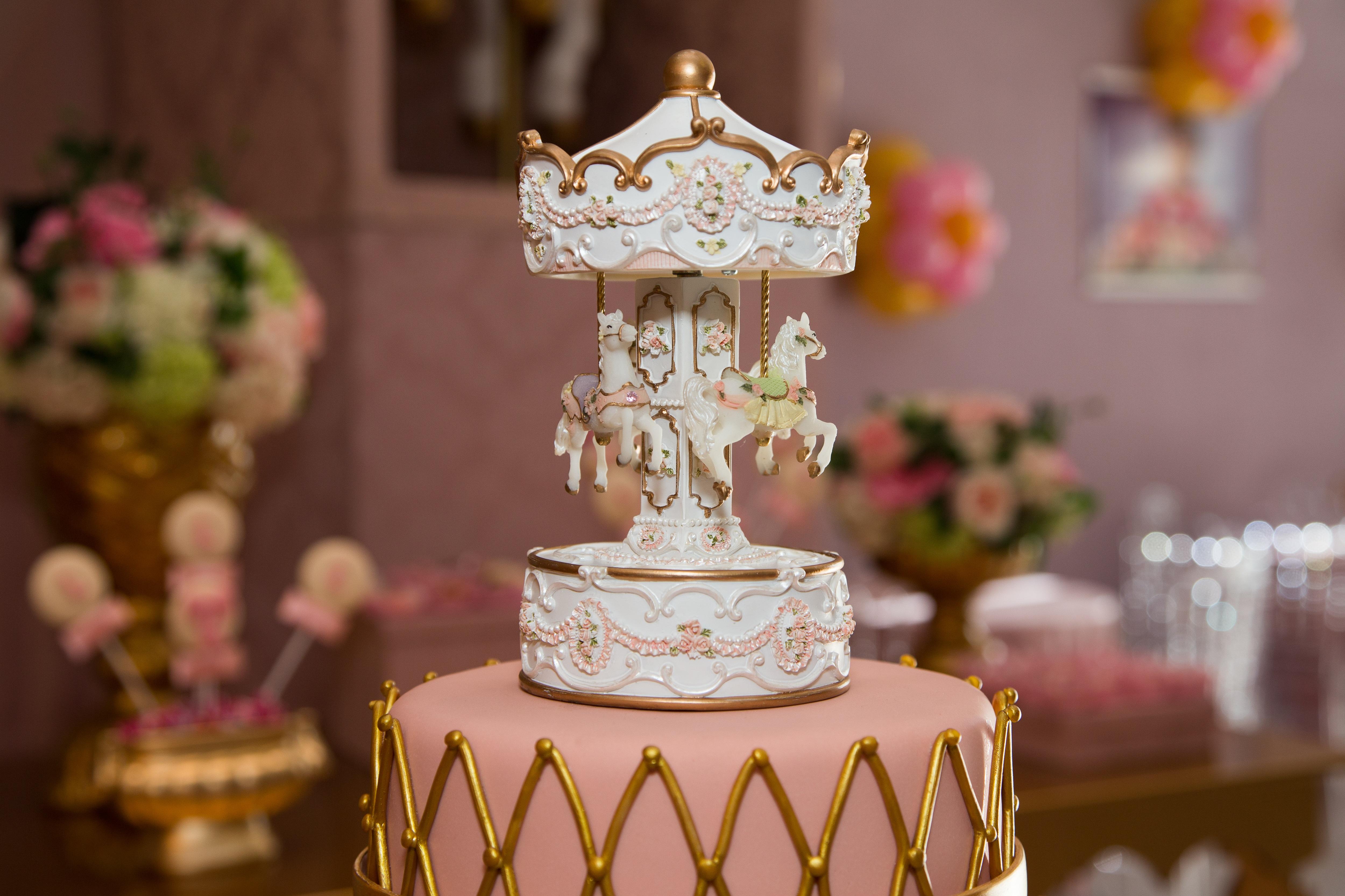 flor decoracin comida carrusel rosado vela postre pastel formacin de hielo fiesta pastel de boda crema