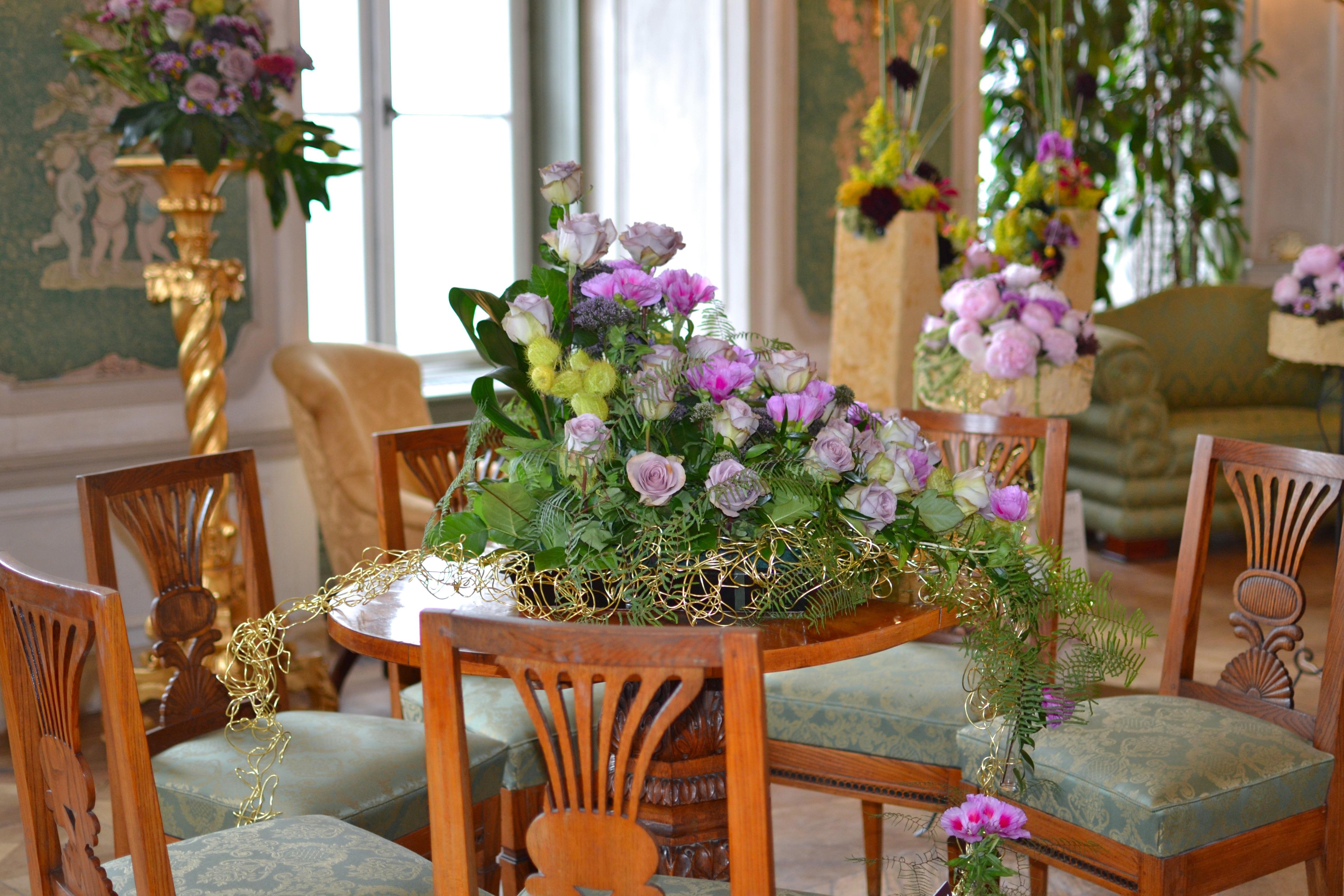 Charmant Fleur Maison Chalet Chambre Inspiration Fleuriste Salle à Manger Art Floral  Pièce Maîtresse Arrangement Floral Au