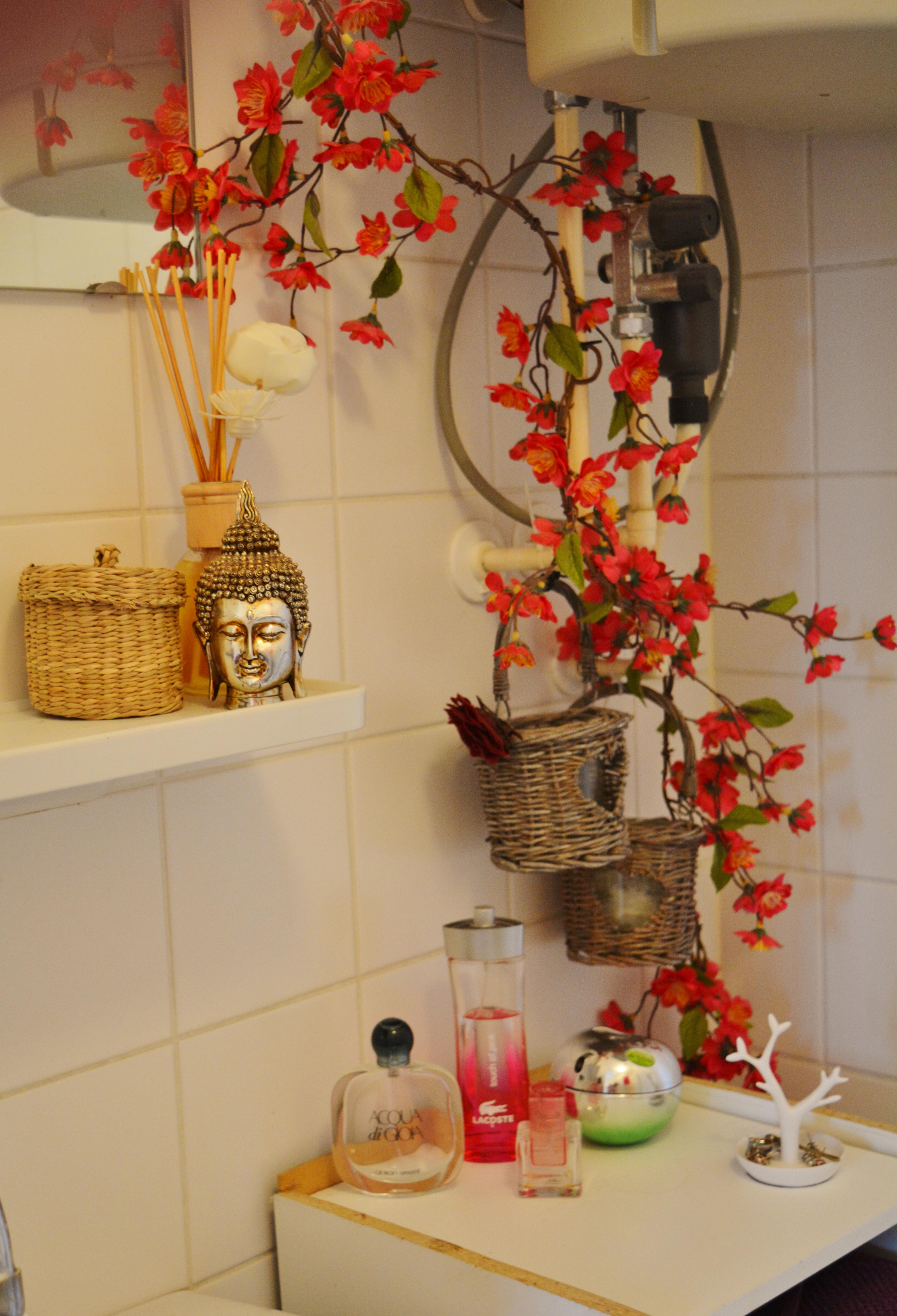 Fotos gratis flor casa estante sala habitaci n - Decoracion navidena para banos ...