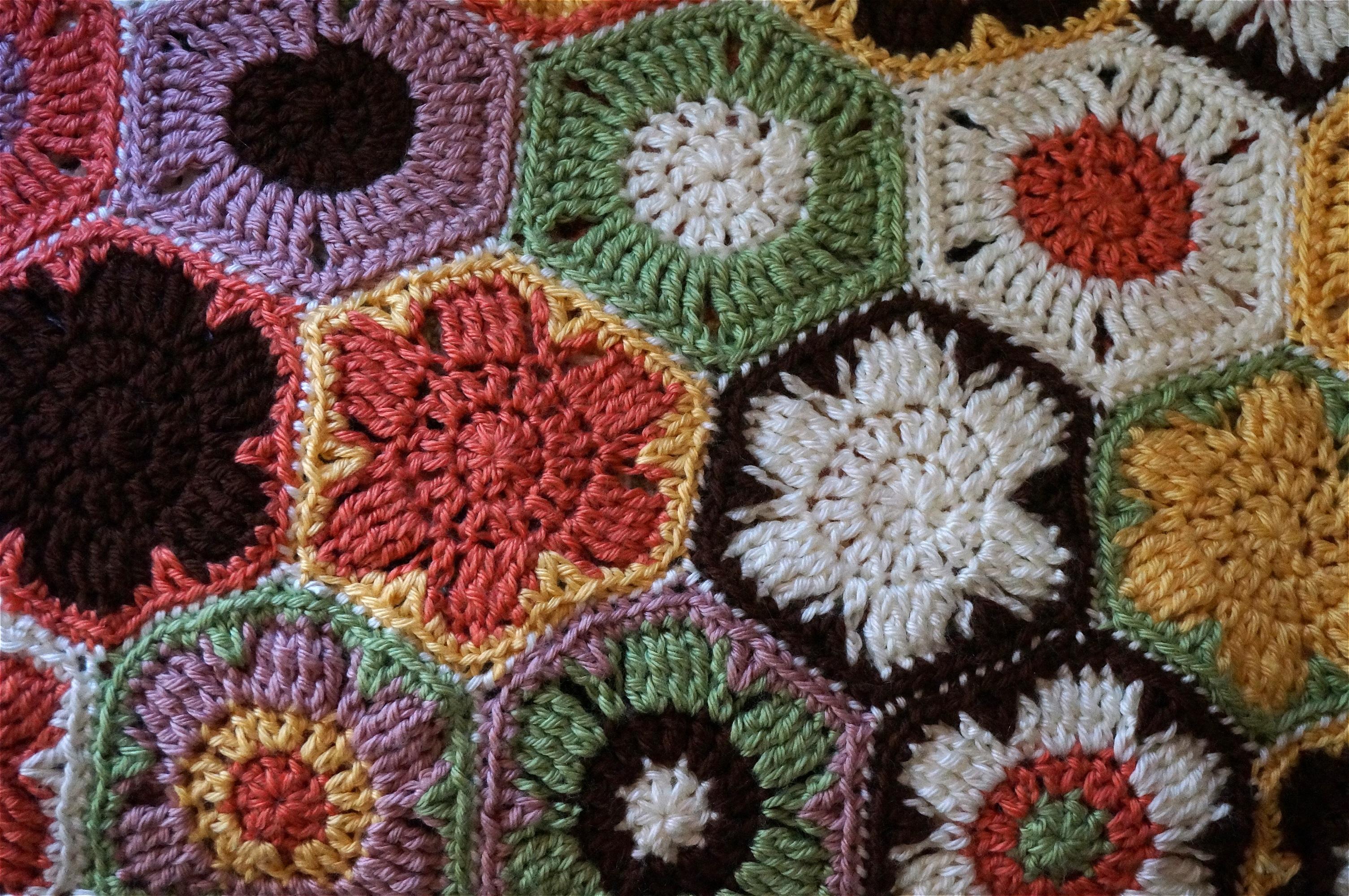 Fotos gratis : flor, patrón, arte, vistoso, hilo, material, Flores ...