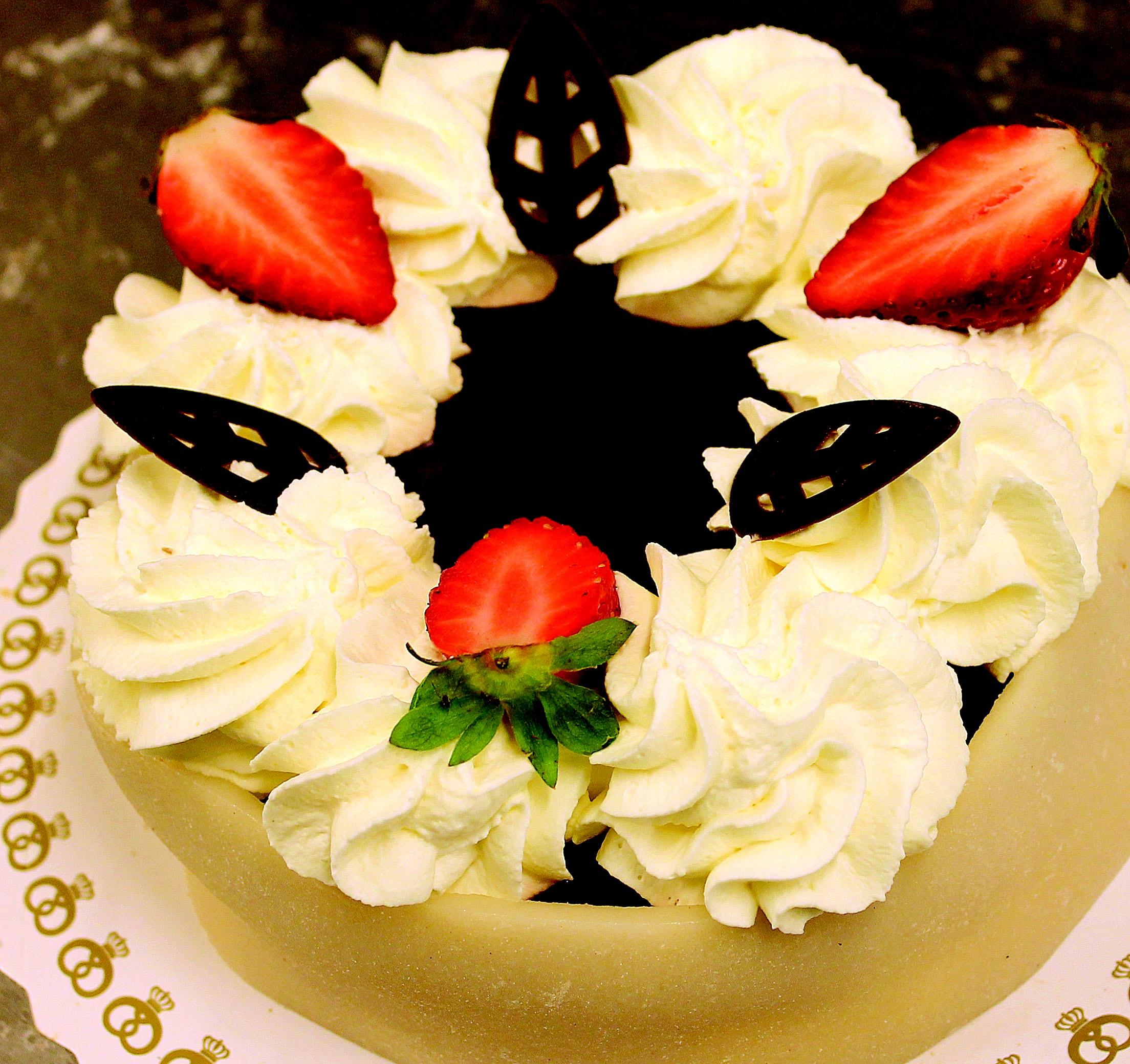 flor ptalo celebracion plato comida produce postre cocina crema pastel festivo crema batida formacin de hielo