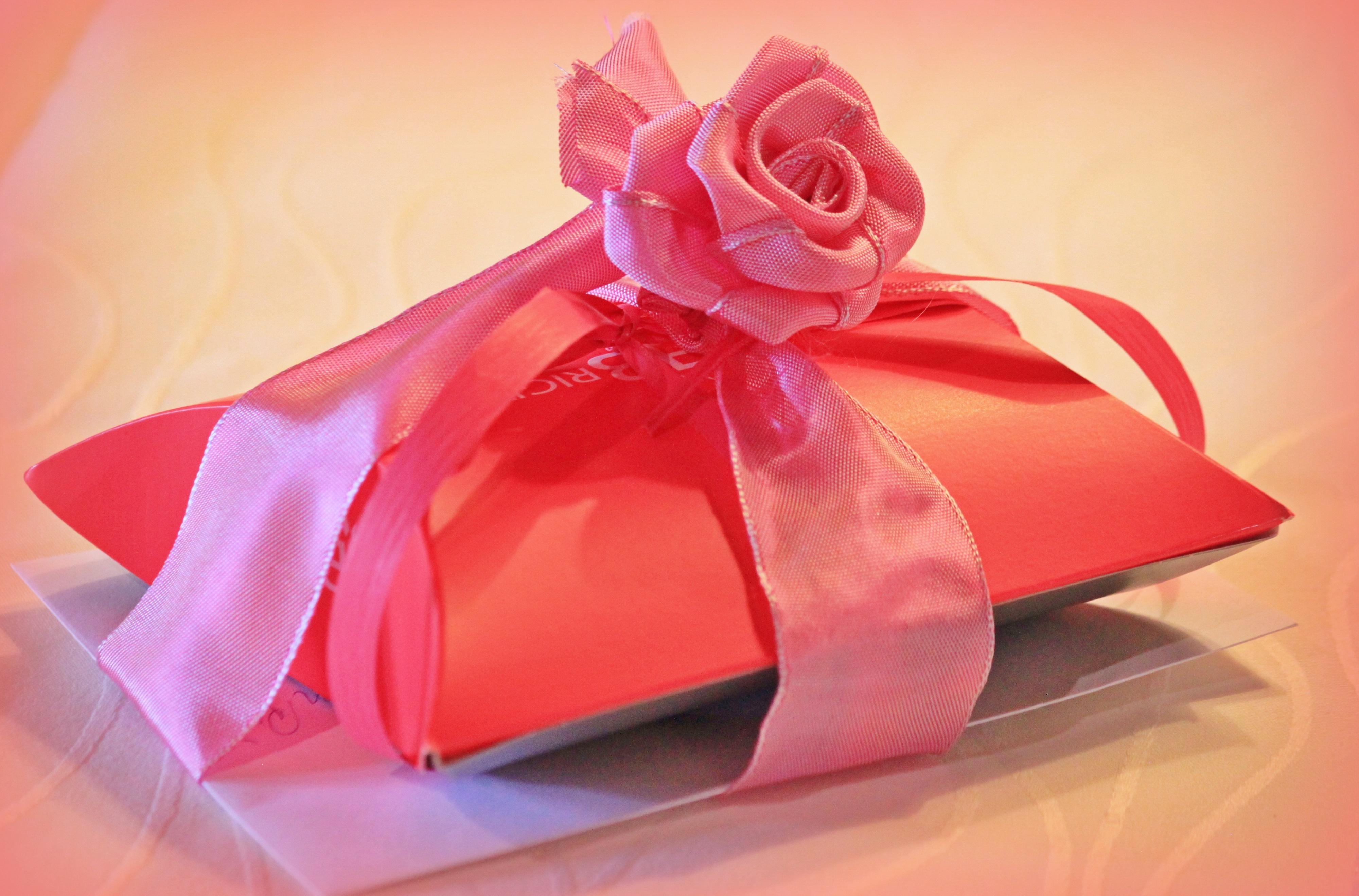무료 이미지 : 꽃잎, 장미 꽃, 장식, 빨간, 담홍색, 포장지, 즐거움 ...