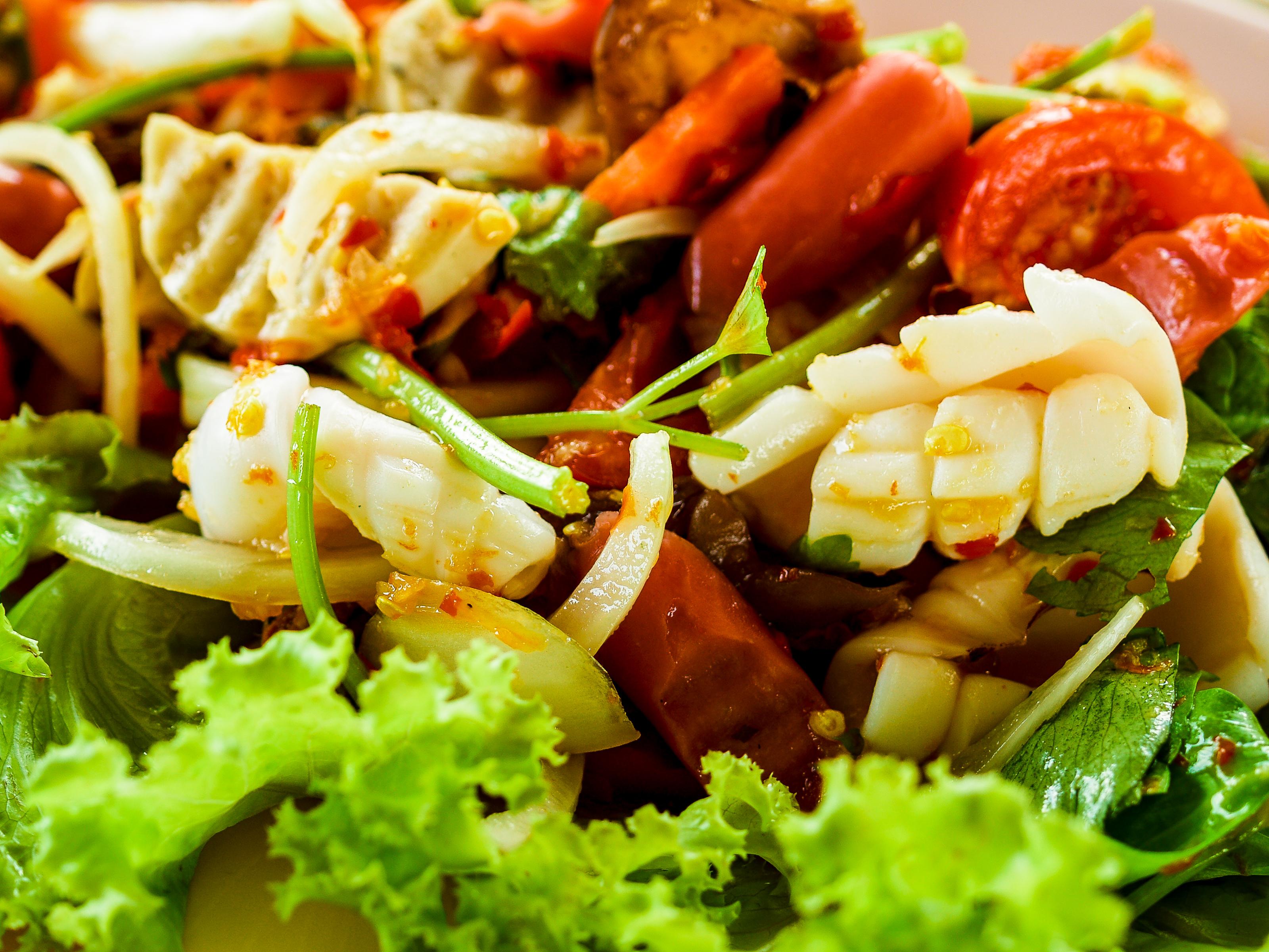 Öğle Yemeğine 3 Farklı Salata Tarifi