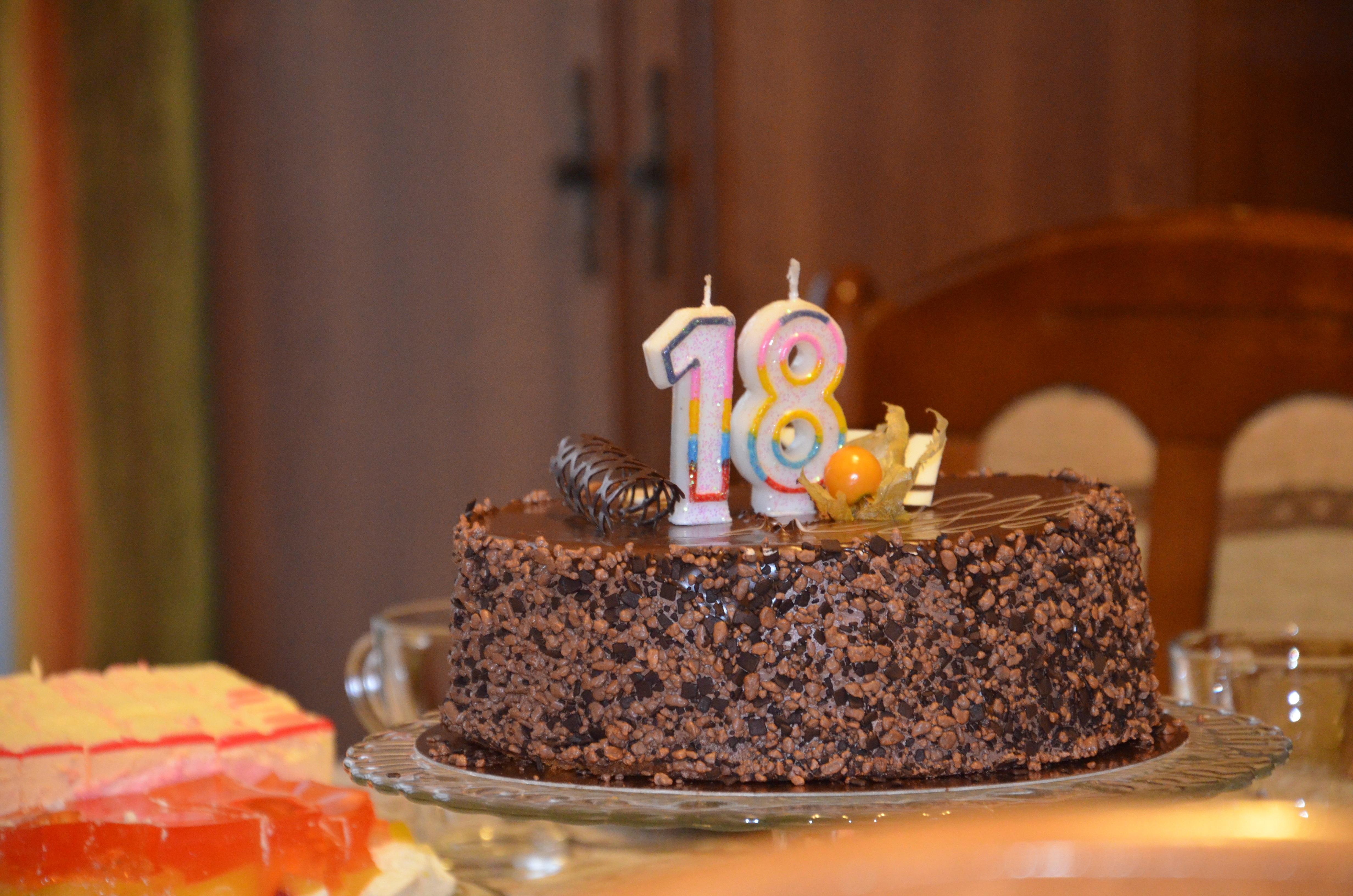 comida postre cocina pastel pastel de cumpleaos pastel de chocolate formacin de hielo cumpleaos dulzura productos