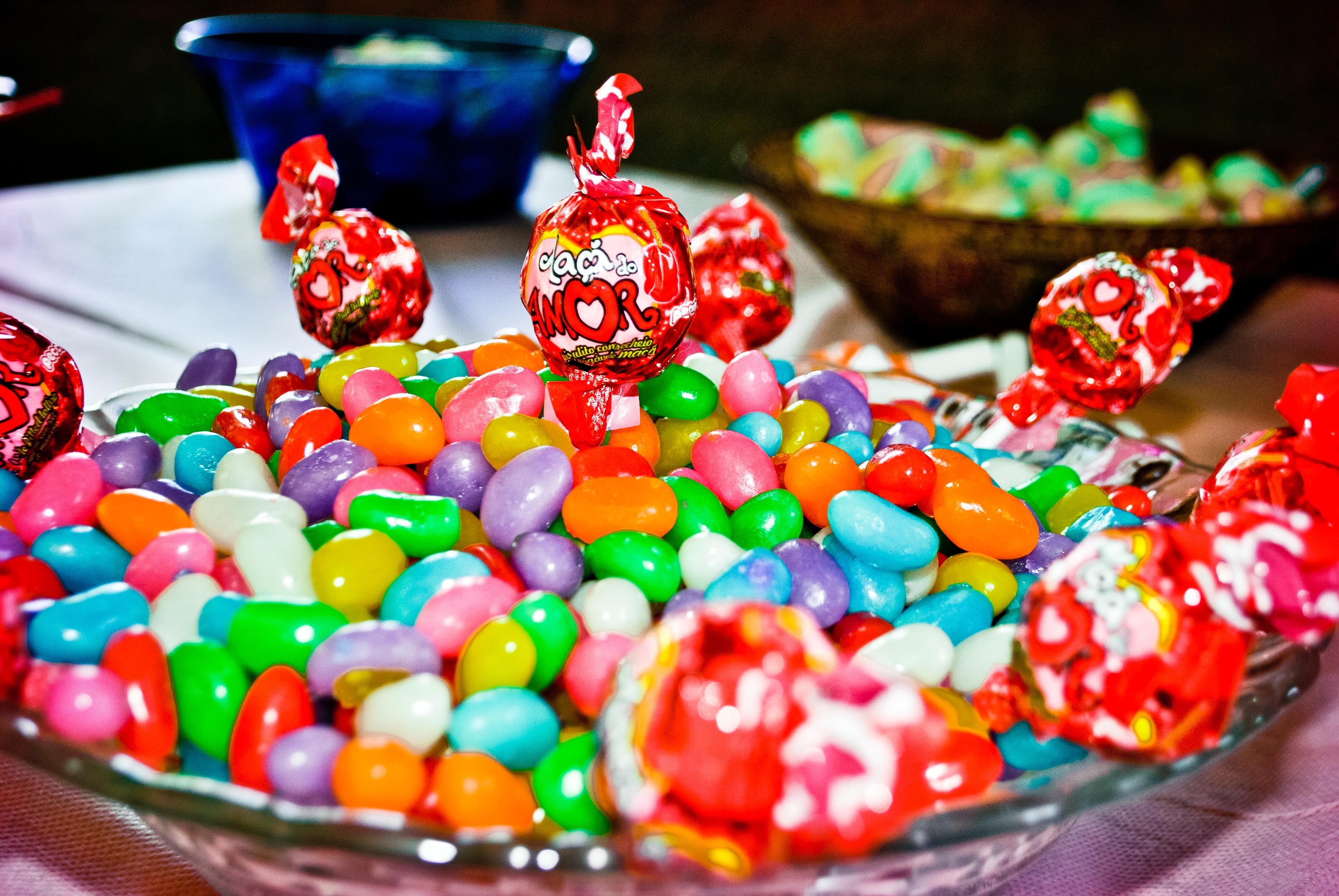 лучшие картинки с конфетами этому времени