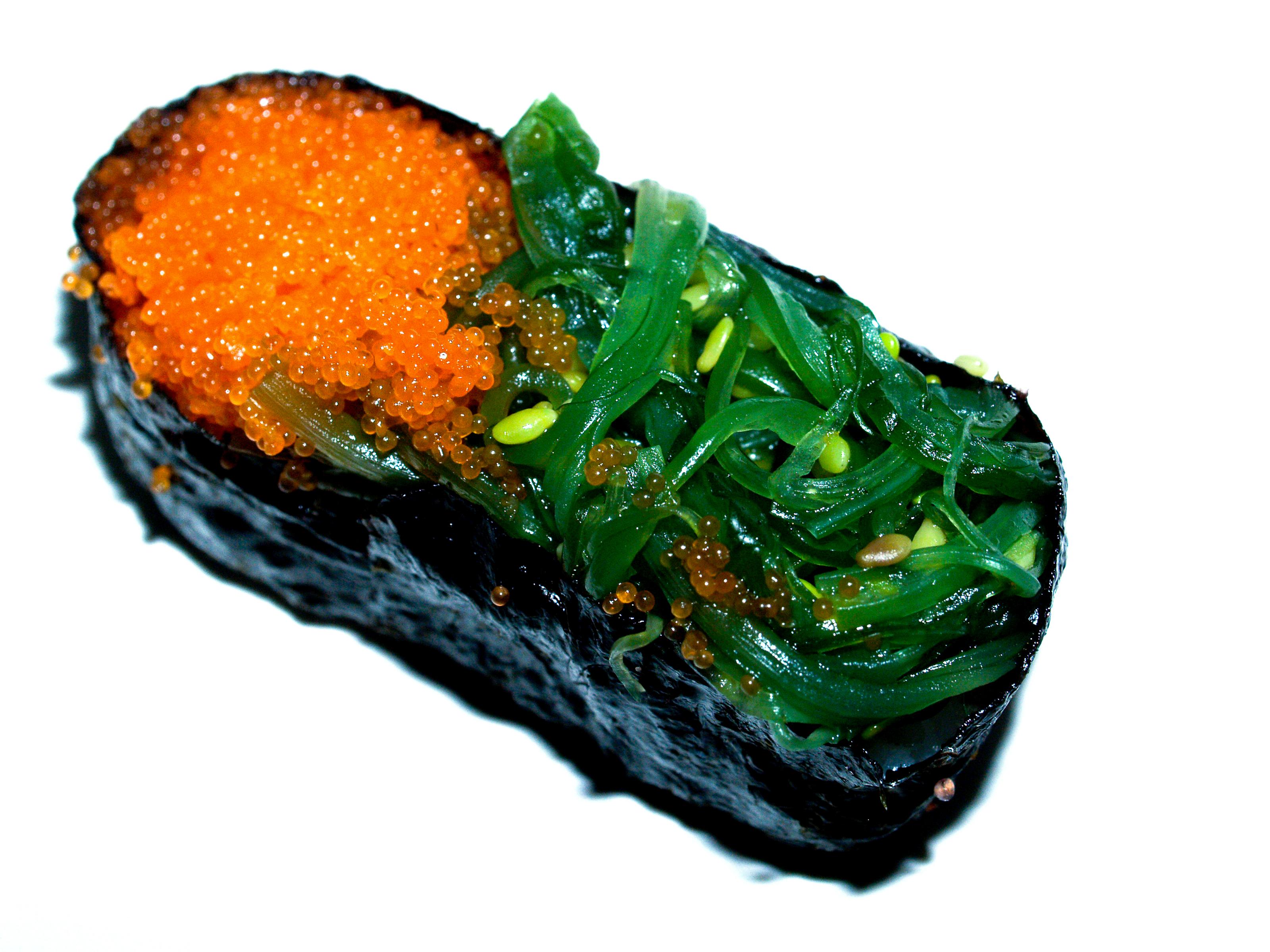 Gambar Jepang Nasi Sushi Tradisional Ikan Salmon Gulungan